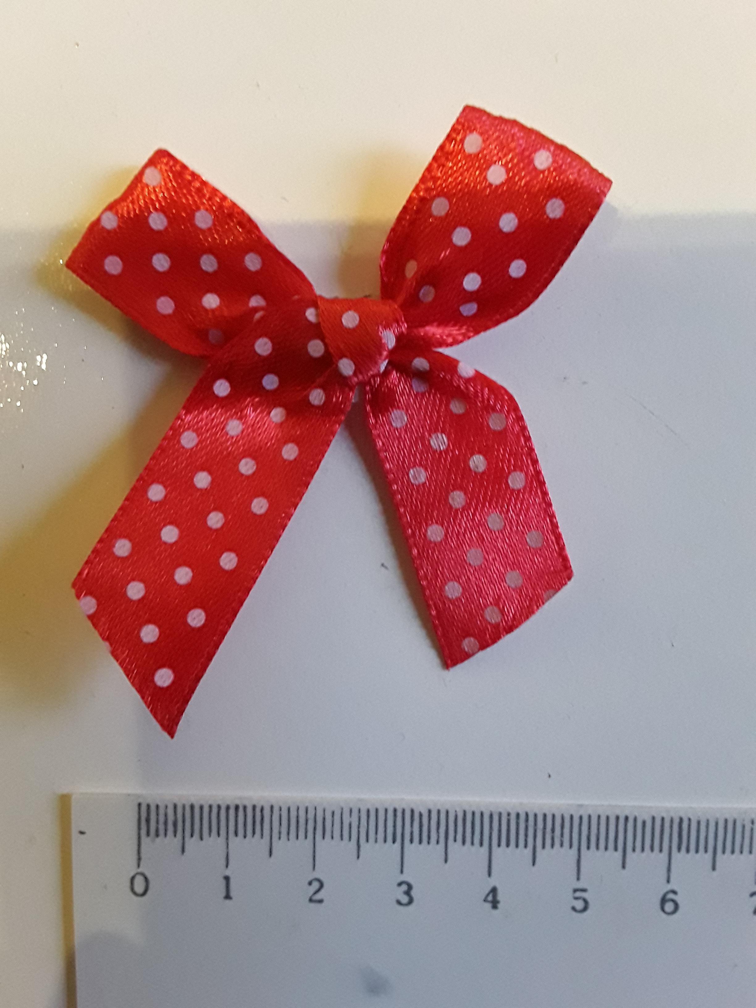 troc de troc petit noeud rouge en tissu image 0