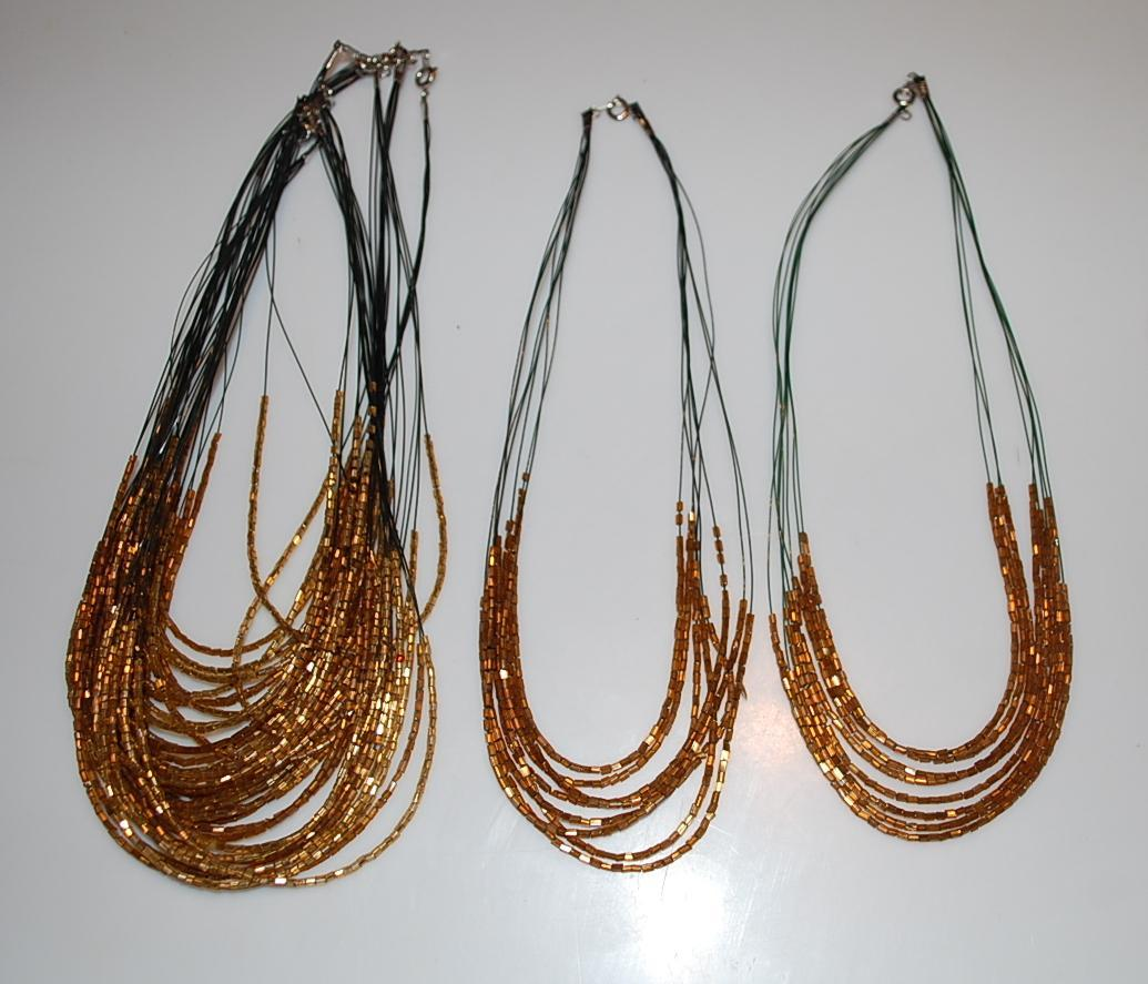 troc de troc colliers perles de rocailles 7 pièces image 0