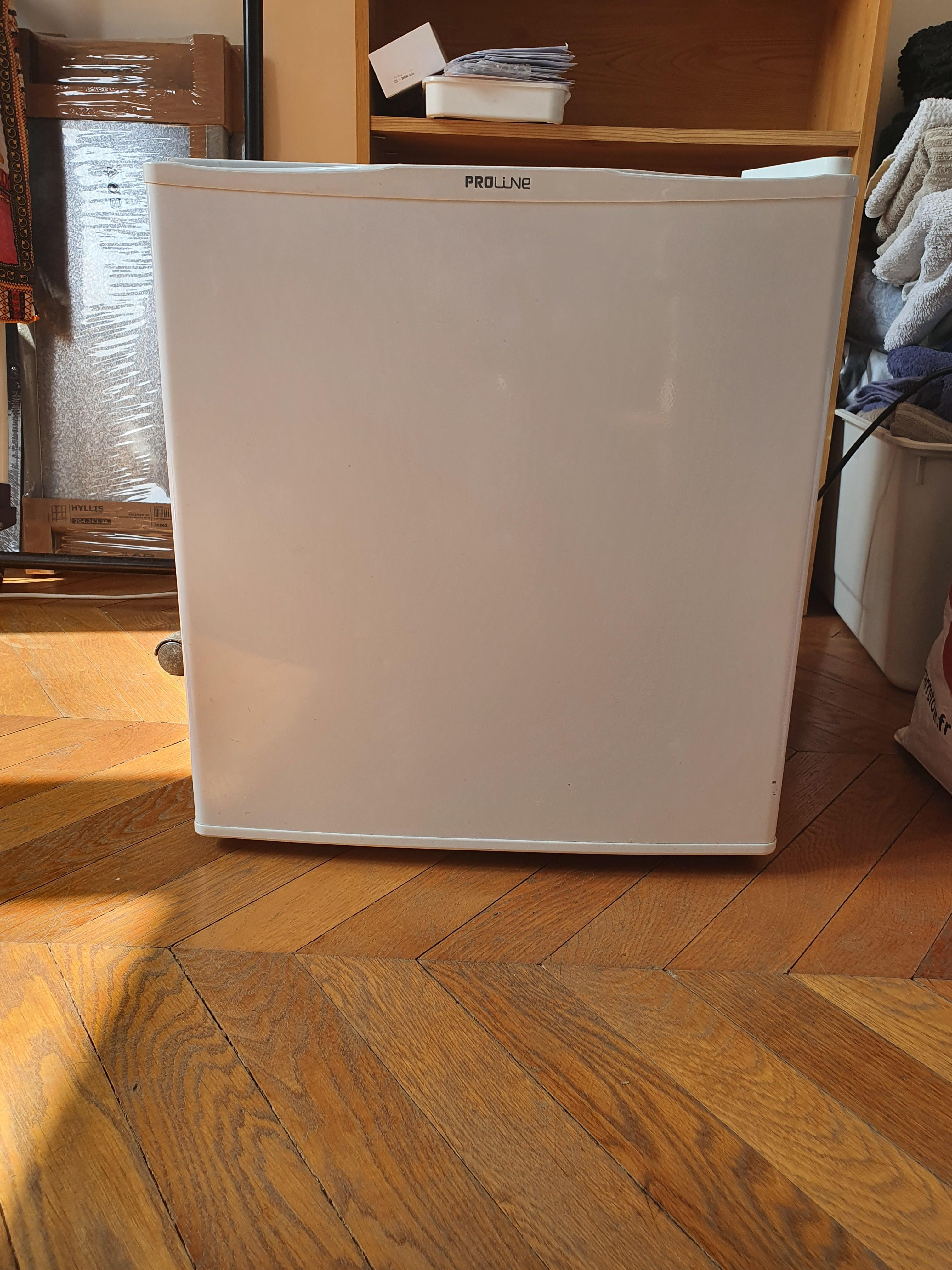 troc de troc donne mini frigo image 0