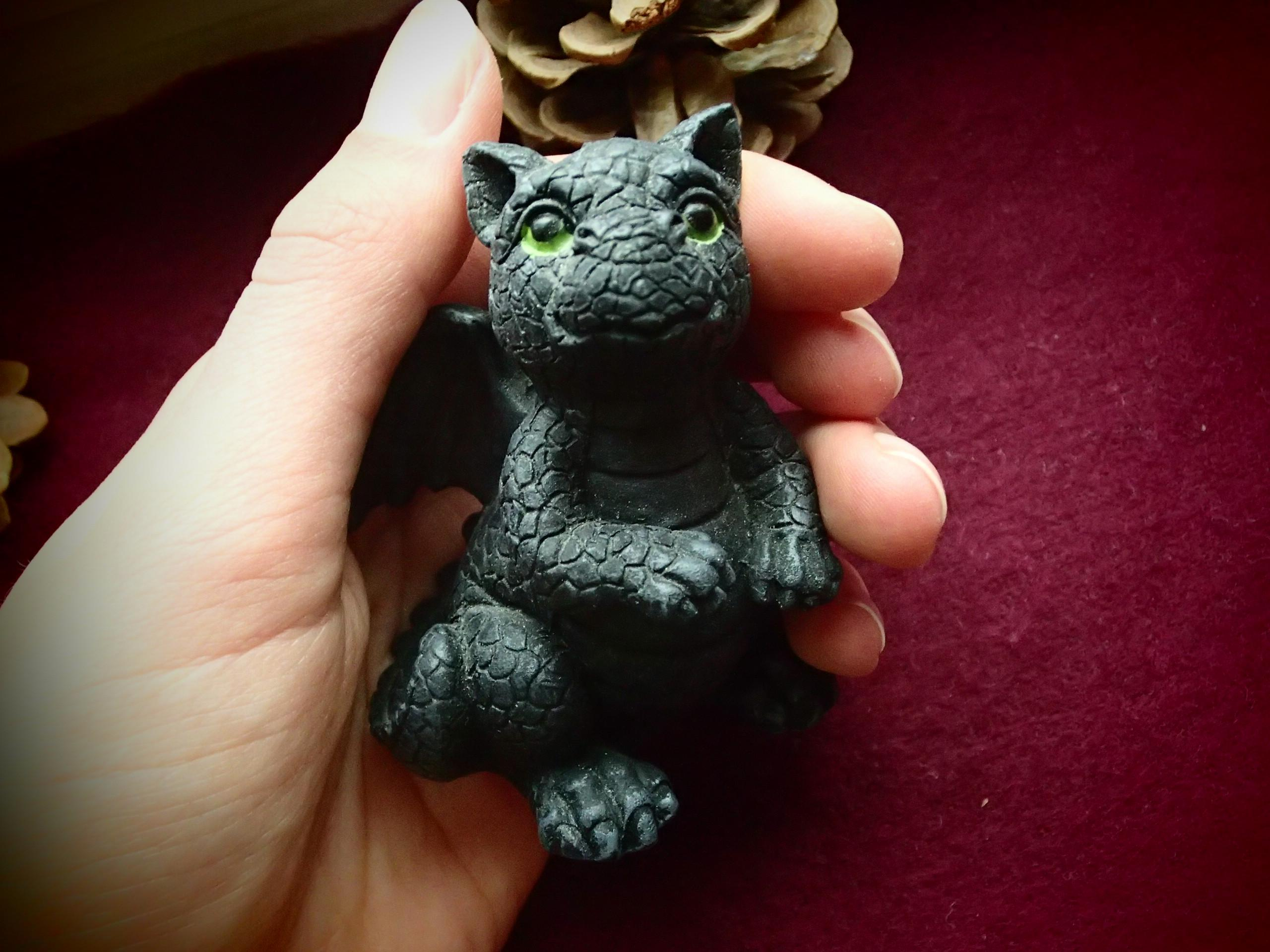 troc de troc figurine petit dragon à adopter image 0