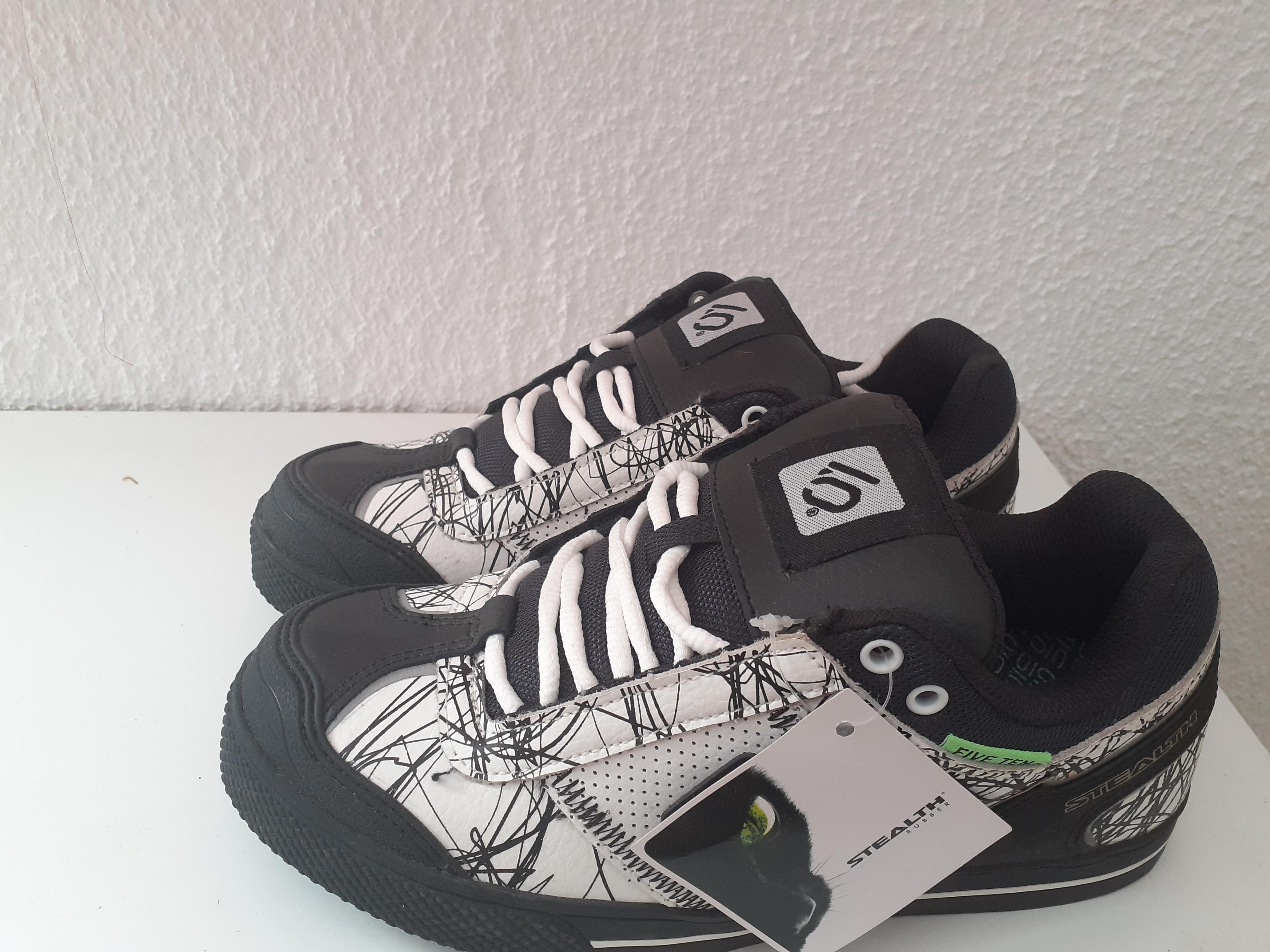 troc de troc chaussures urbain style 39 image 0