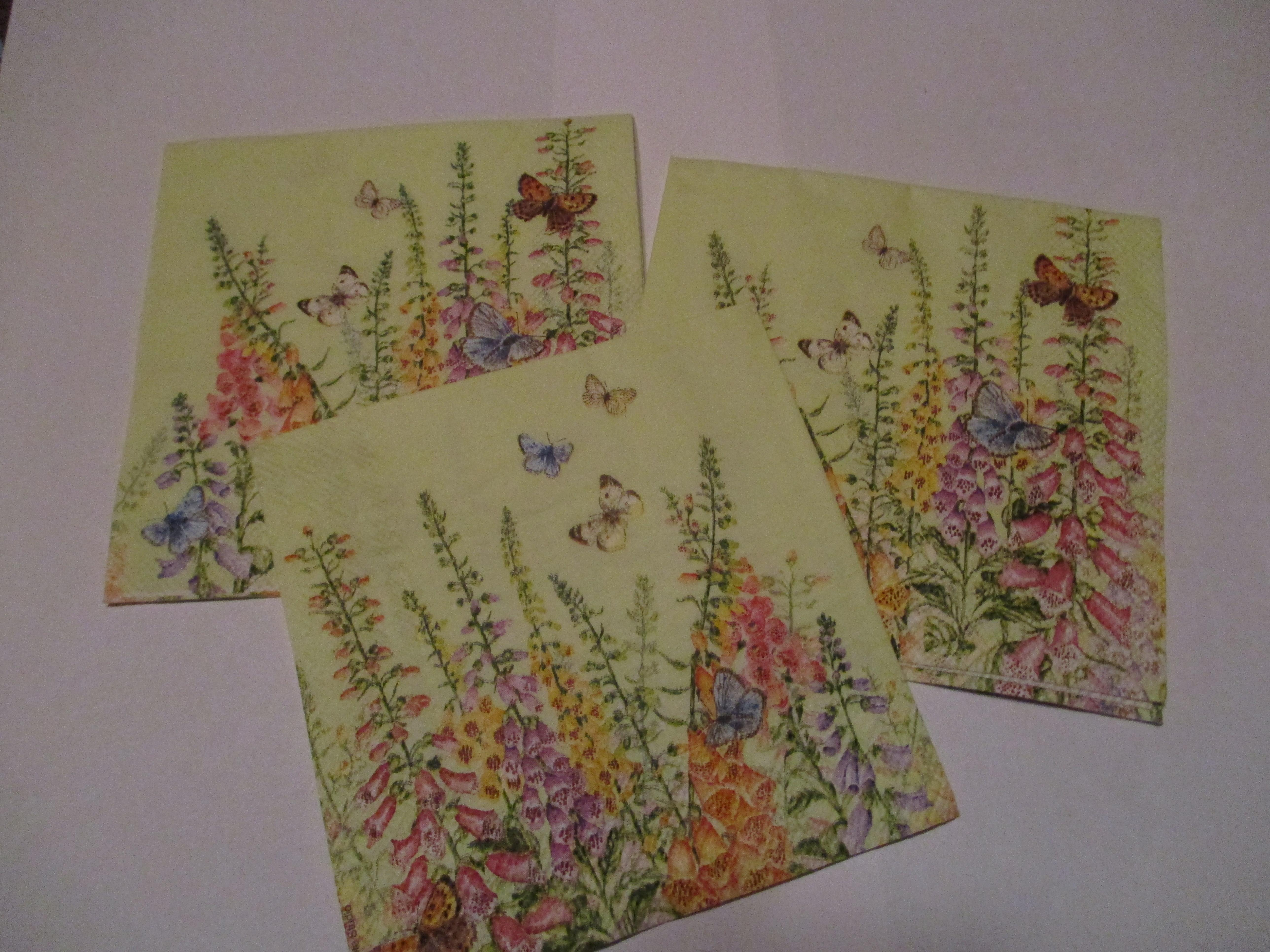 troc de troc 3 petites serviettes en papier fleurs image 0