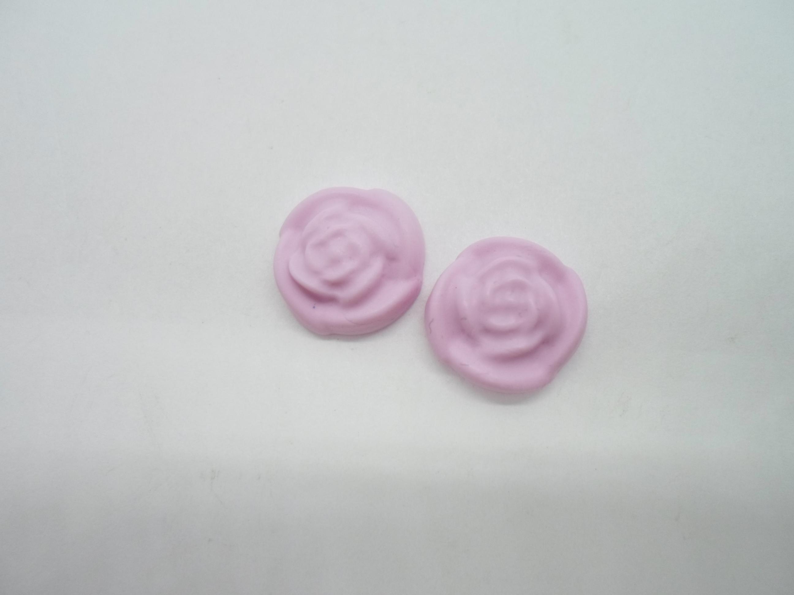 troc de troc 2 petits cabochons rose en fimo en forme de fleur image 0