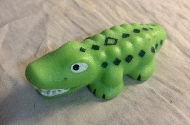 troc de troc figurine crocodile - plastique mou - très bon état - 10 cm image 0