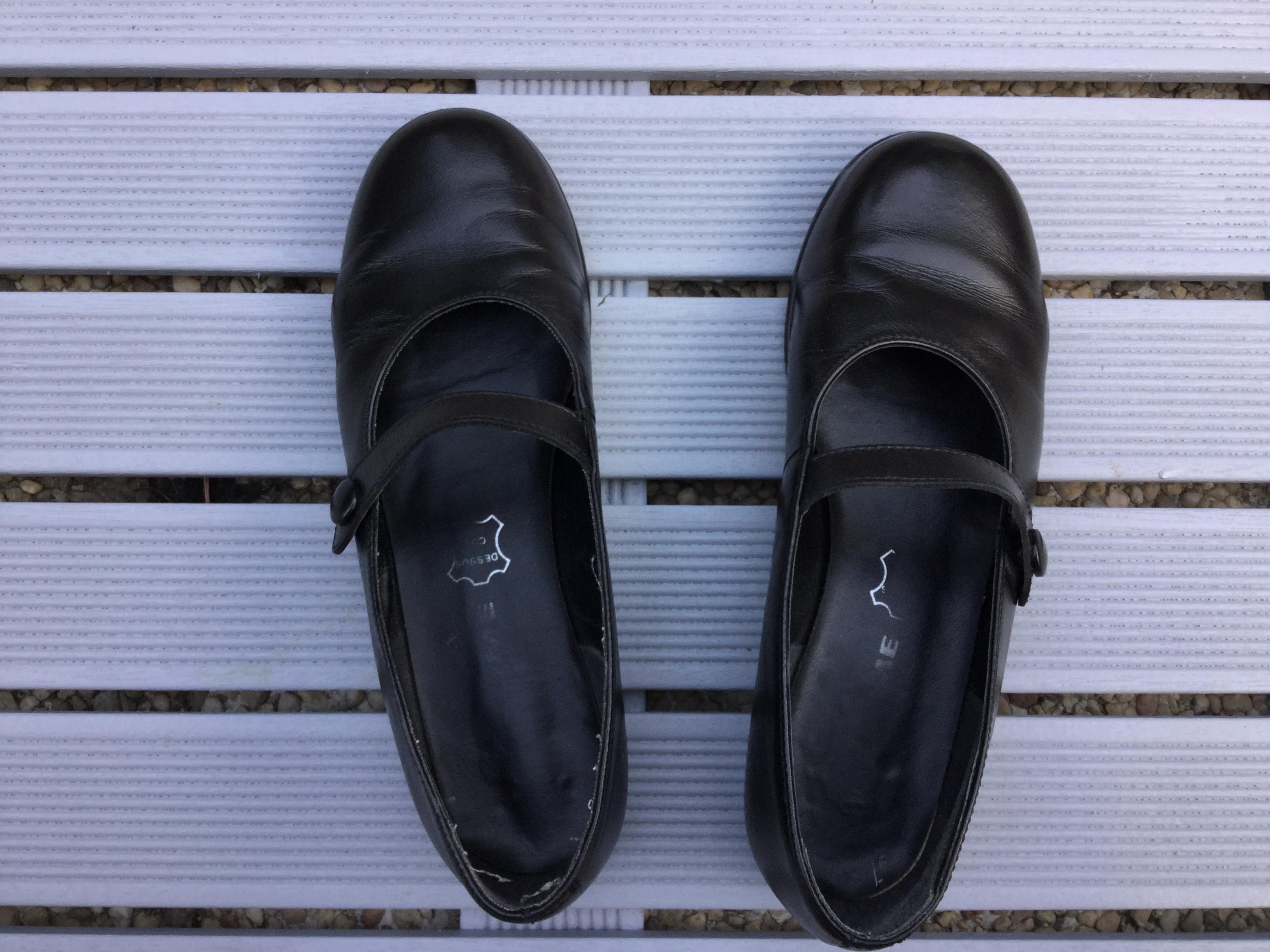 troc de troc chaussures babies de couleur noire image 0