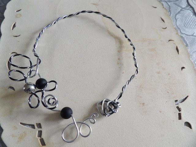 troc de troc collier original pas de fermeture se pose sur le cou image 0