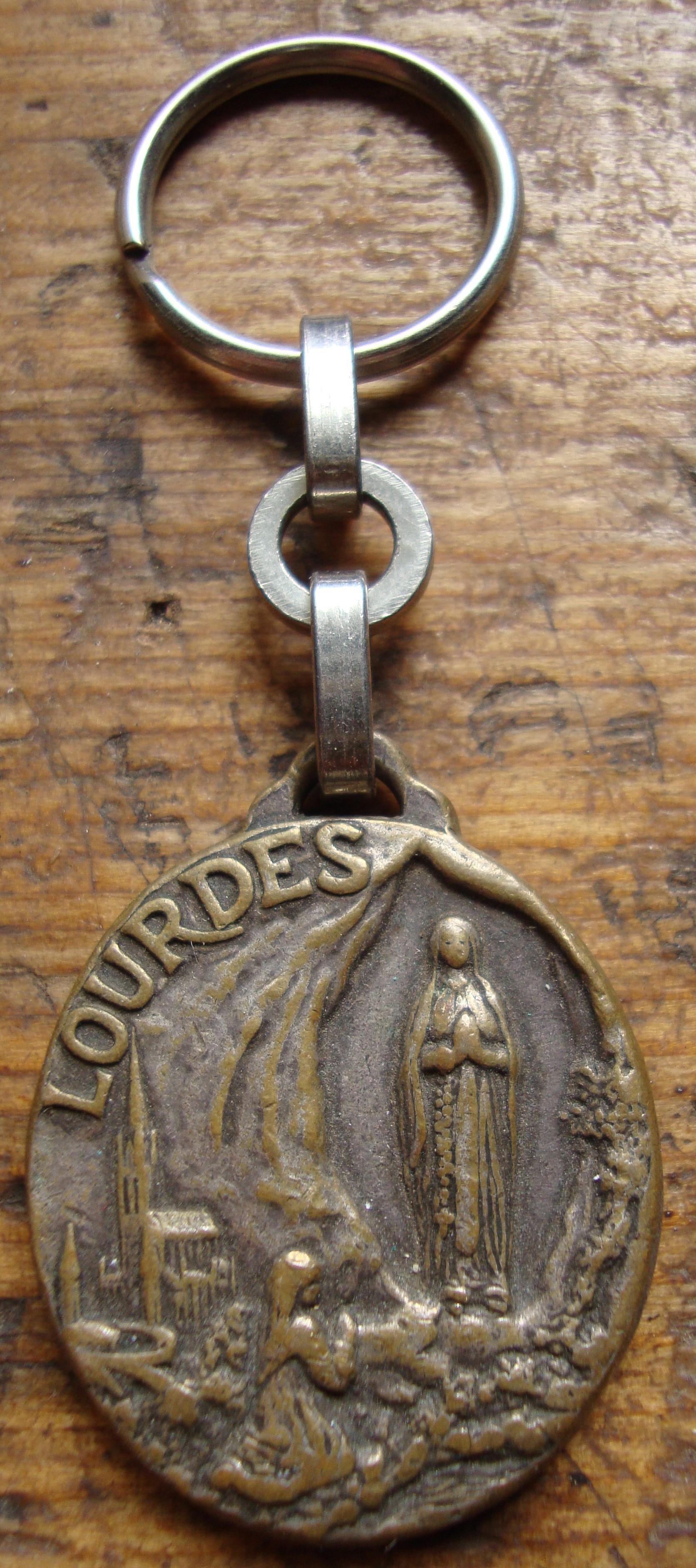 troc de troc porte clés ancien  nd lourde en  métal image 0