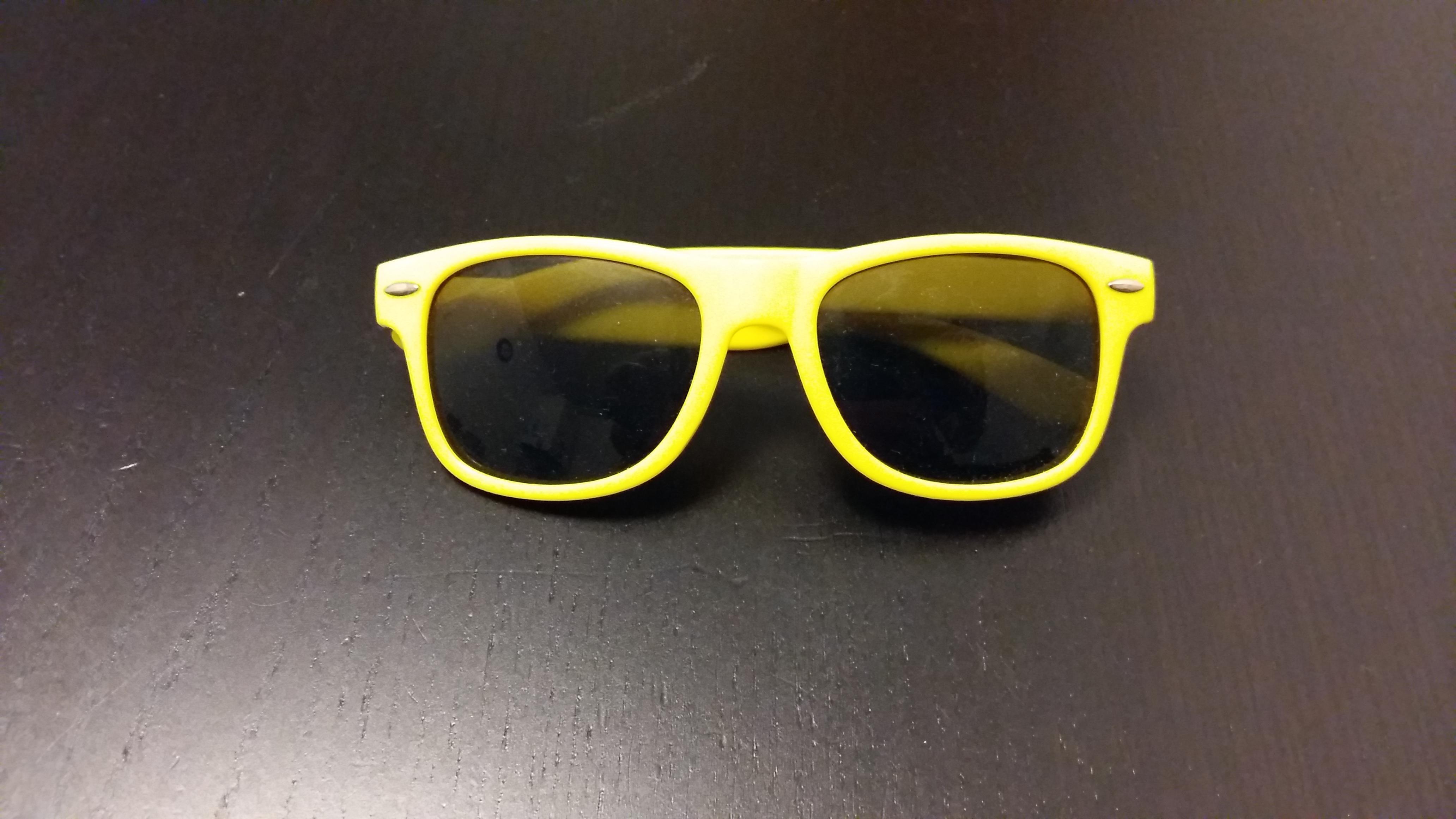 troc de troc lunettes de soleil enfants image 0