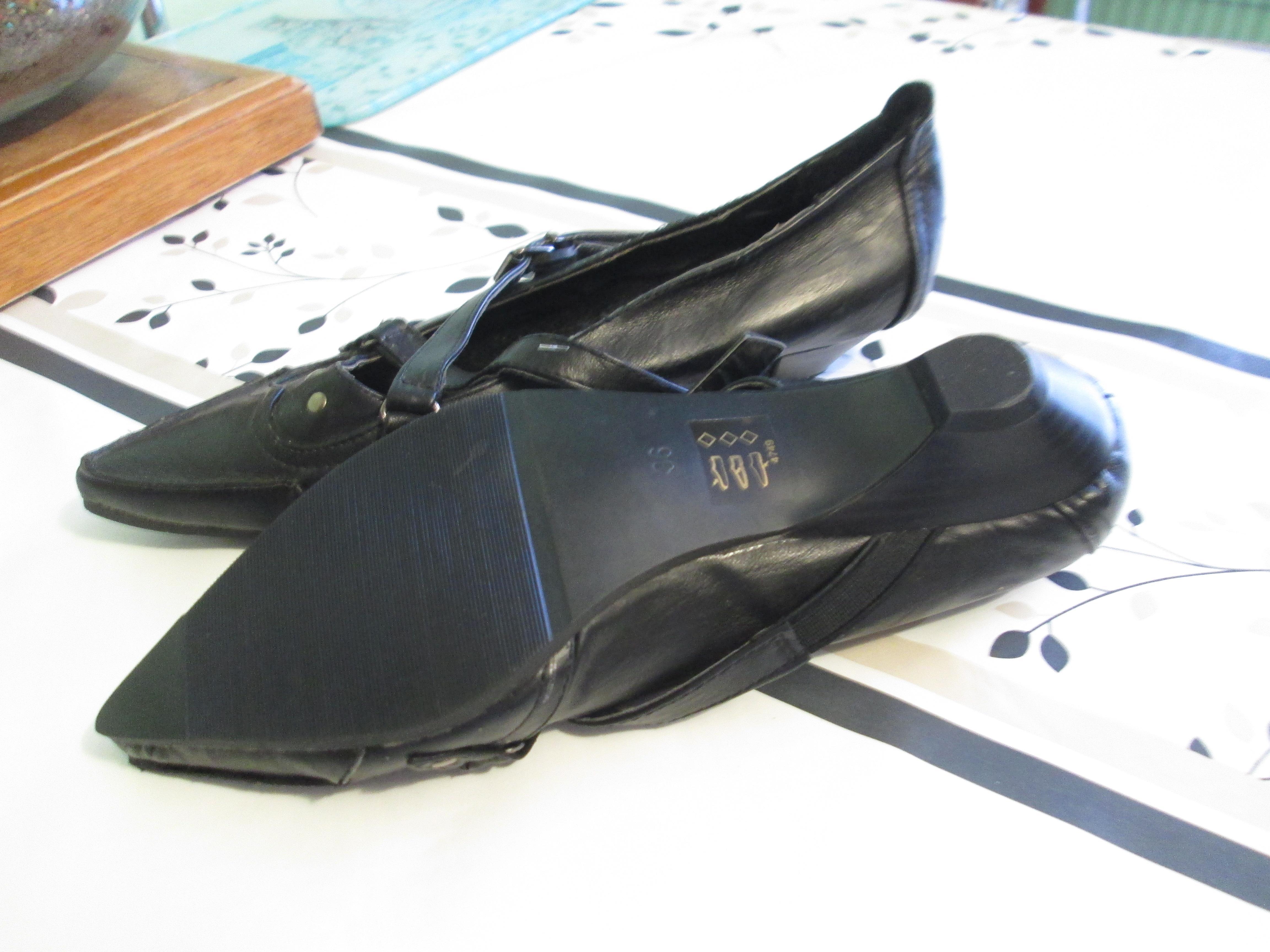 troc de troc chaussure noire pointure 36 neuf  15 noisettes image 1