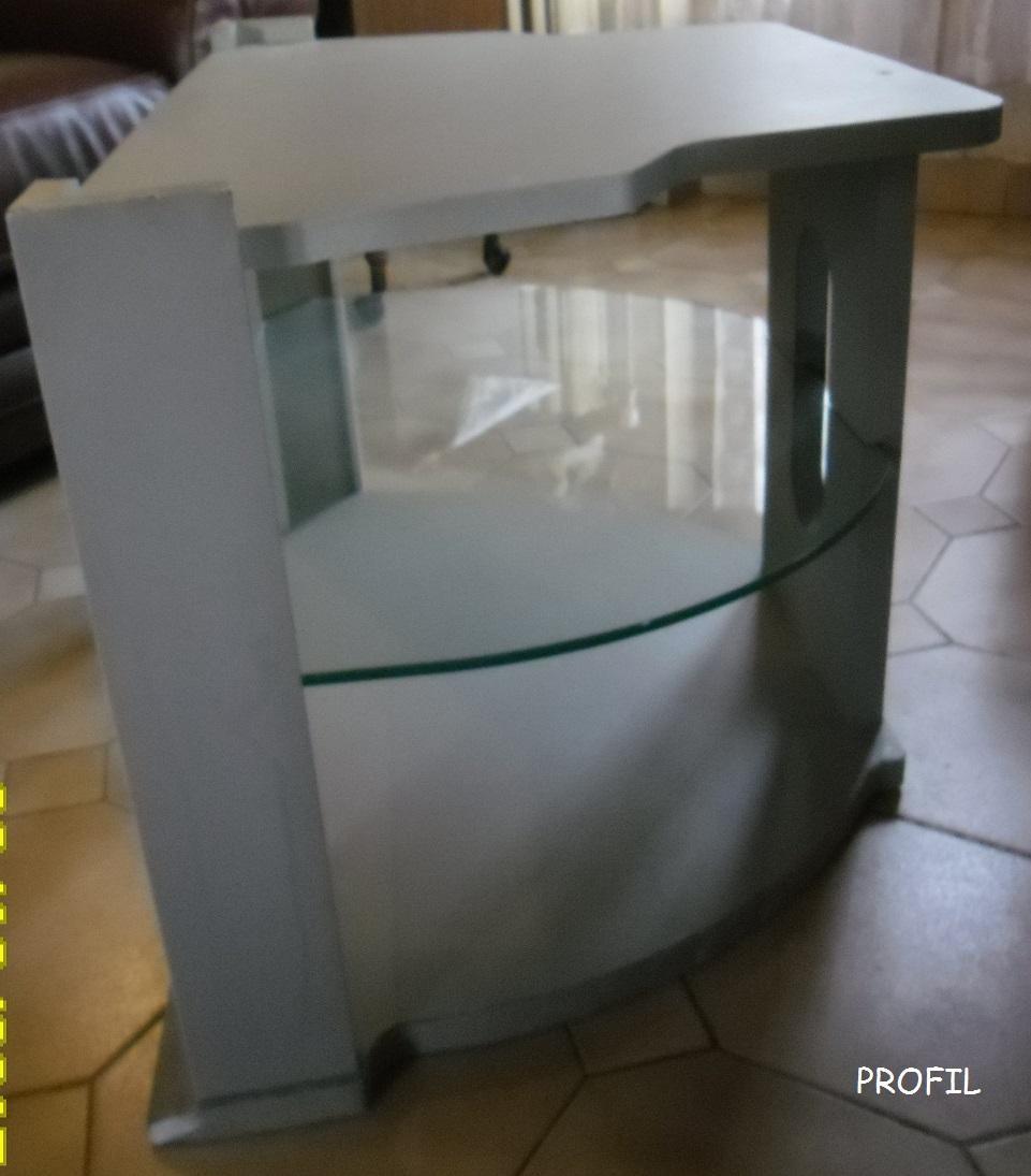 troc de troc meuble télé avec une plaque en verre image 1