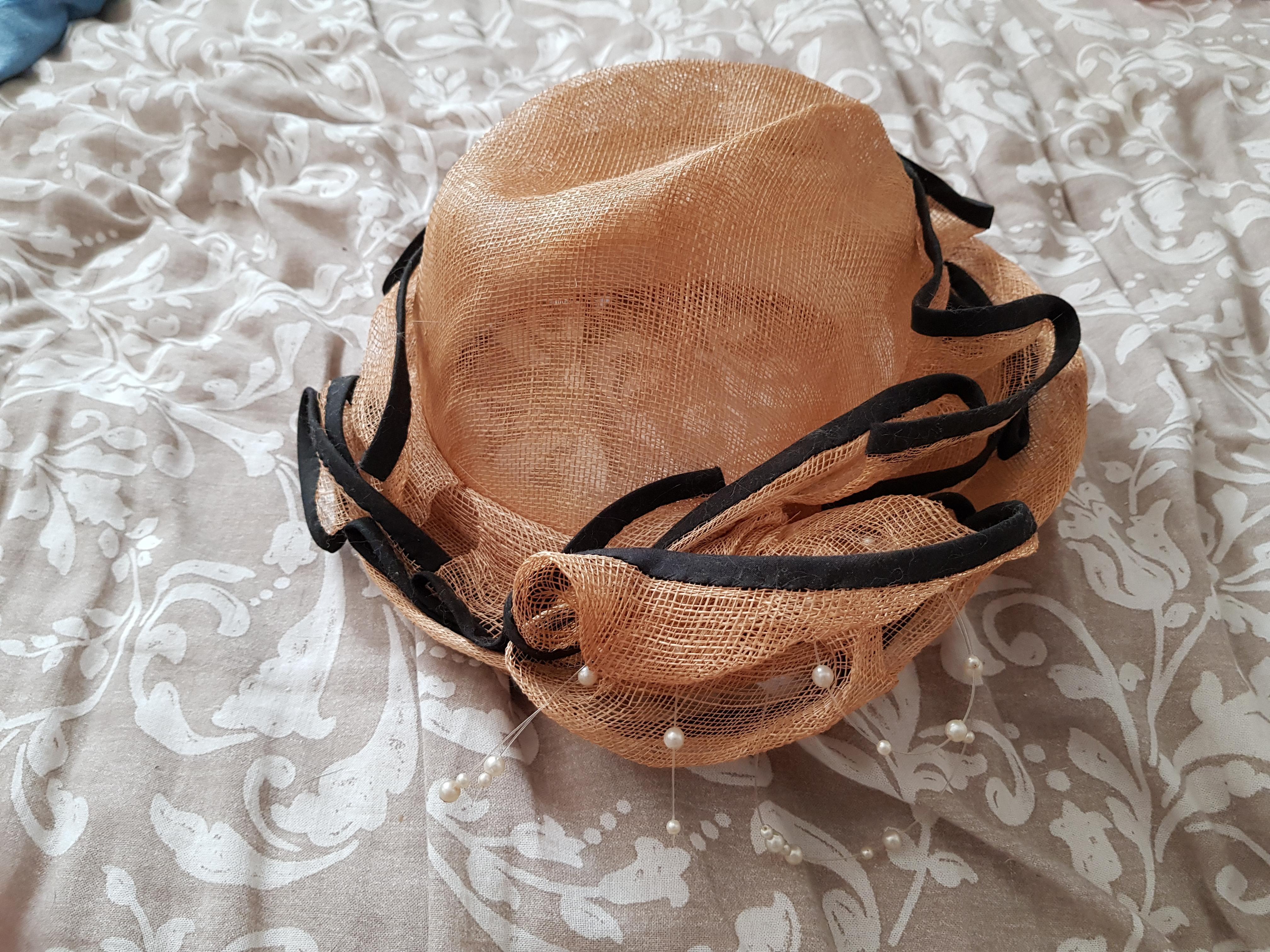 troc de troc chapeau de cérémonie image 1