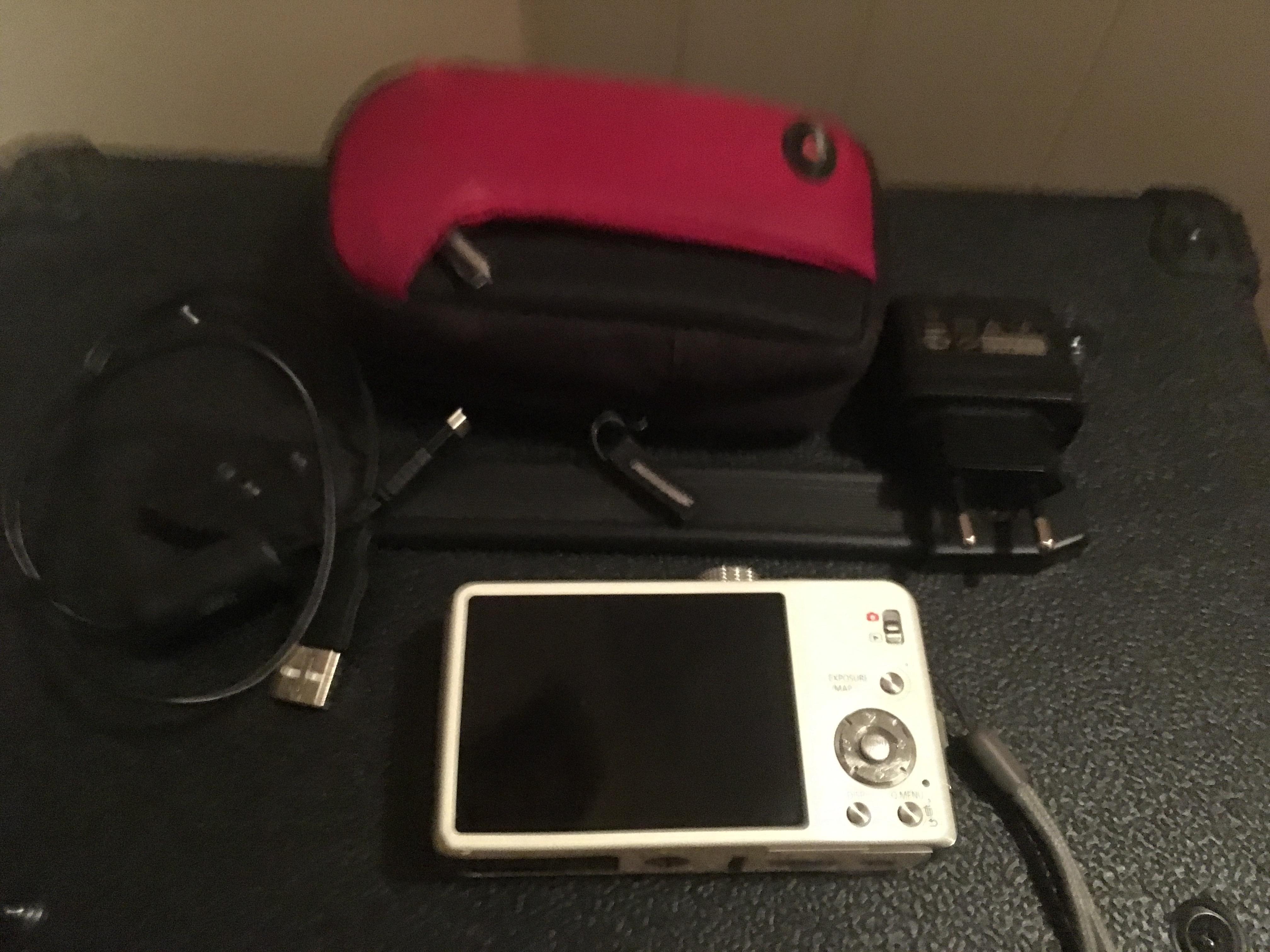 troc de troc Échange appareil photo numérique panasonic contre un vidéo projec image 0