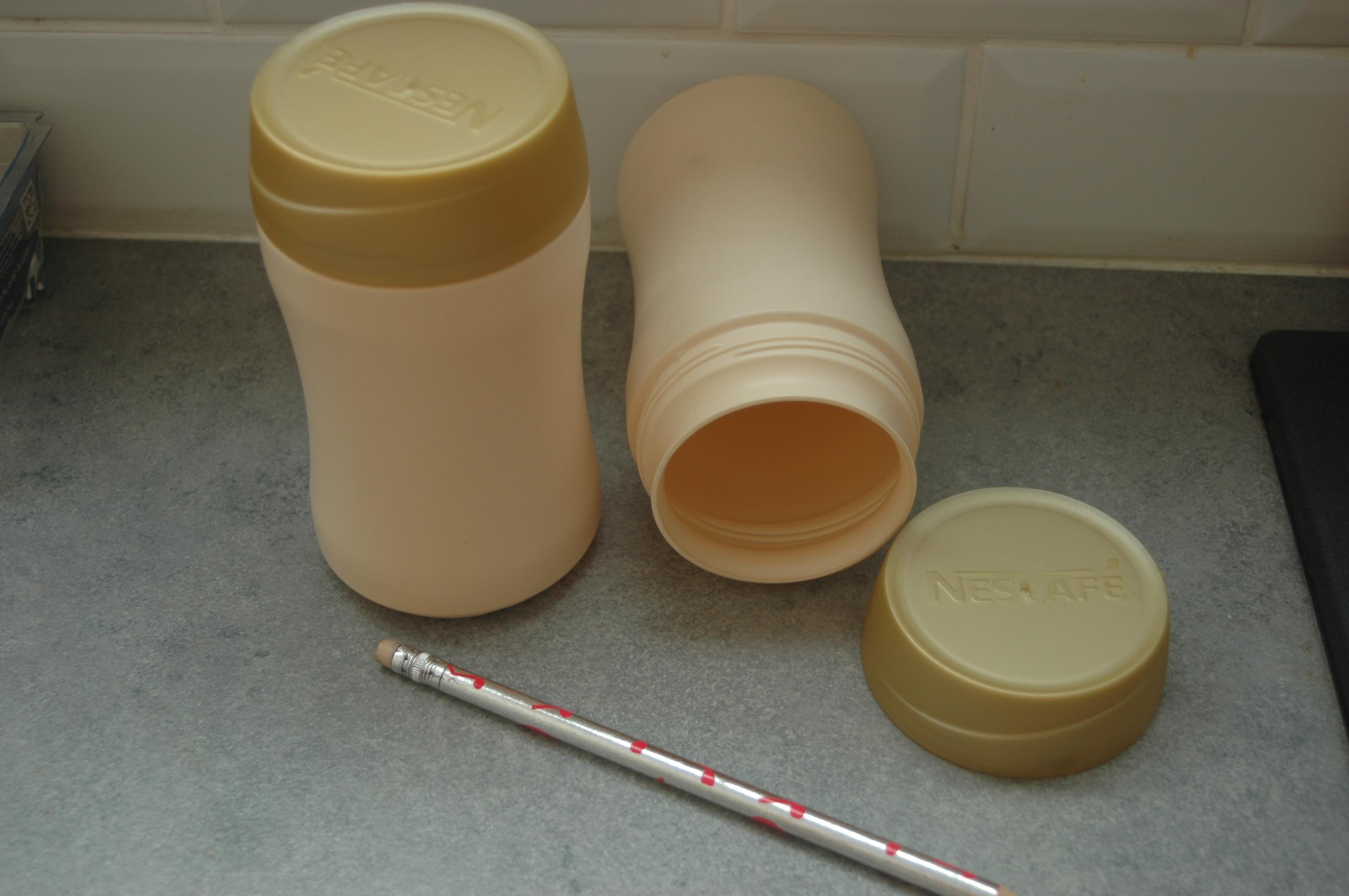 troc de troc boites plastique couvercle à vis image 0