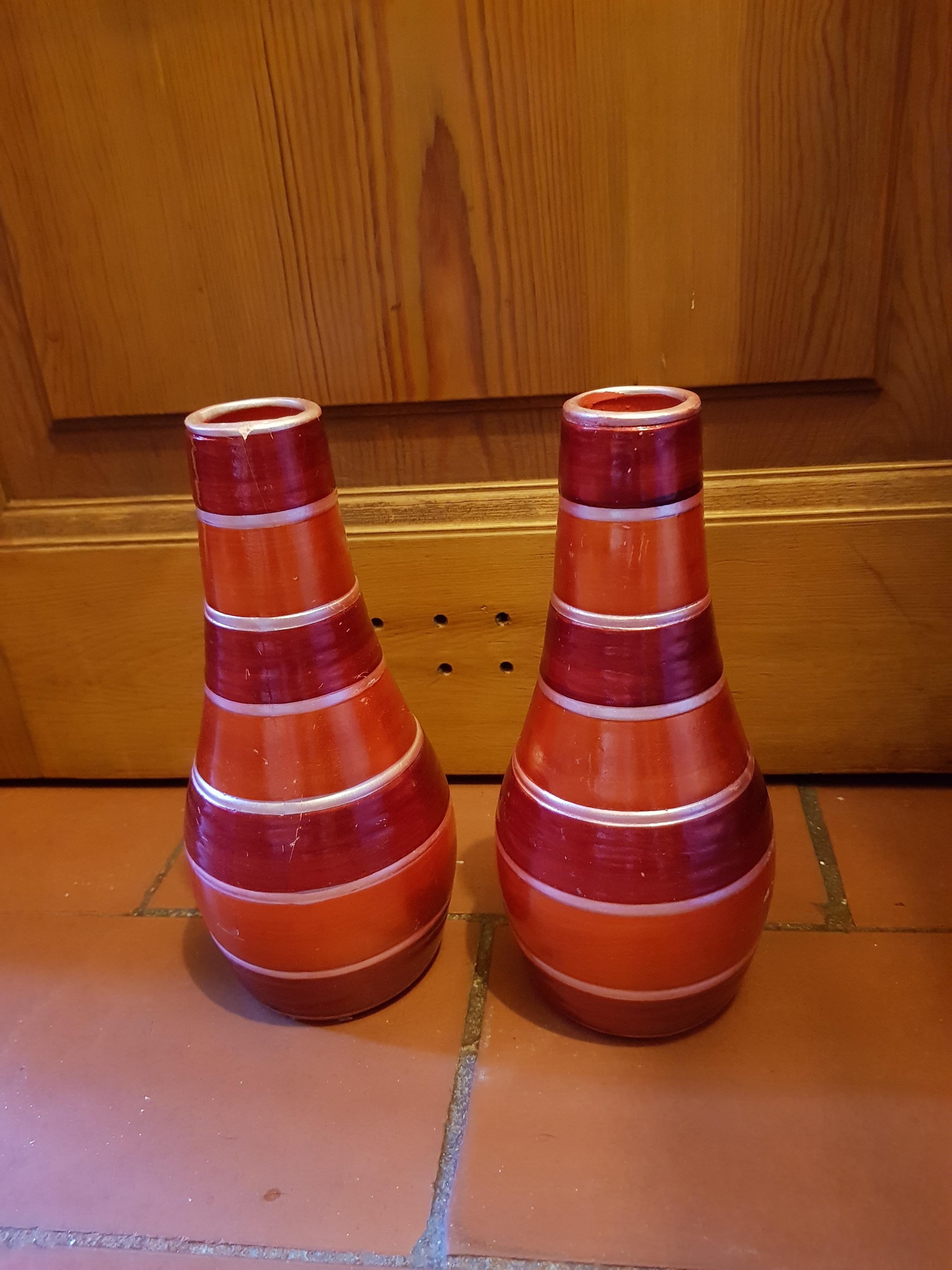 troc de troc lot de deux vases rouge et or image 0
