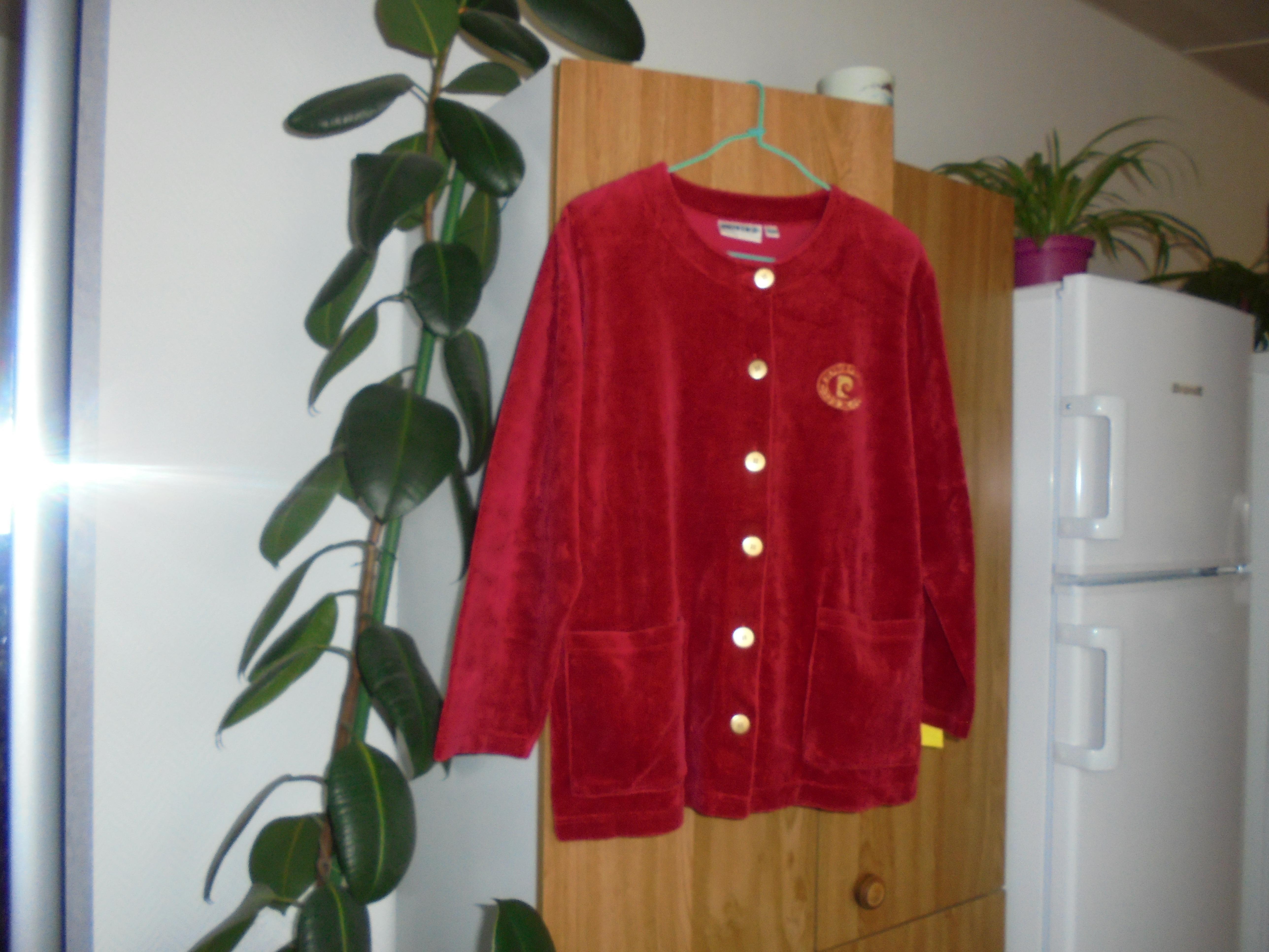 troc de troc veste en velours rouge taille 42/44   10 noisettes  pfp image 0