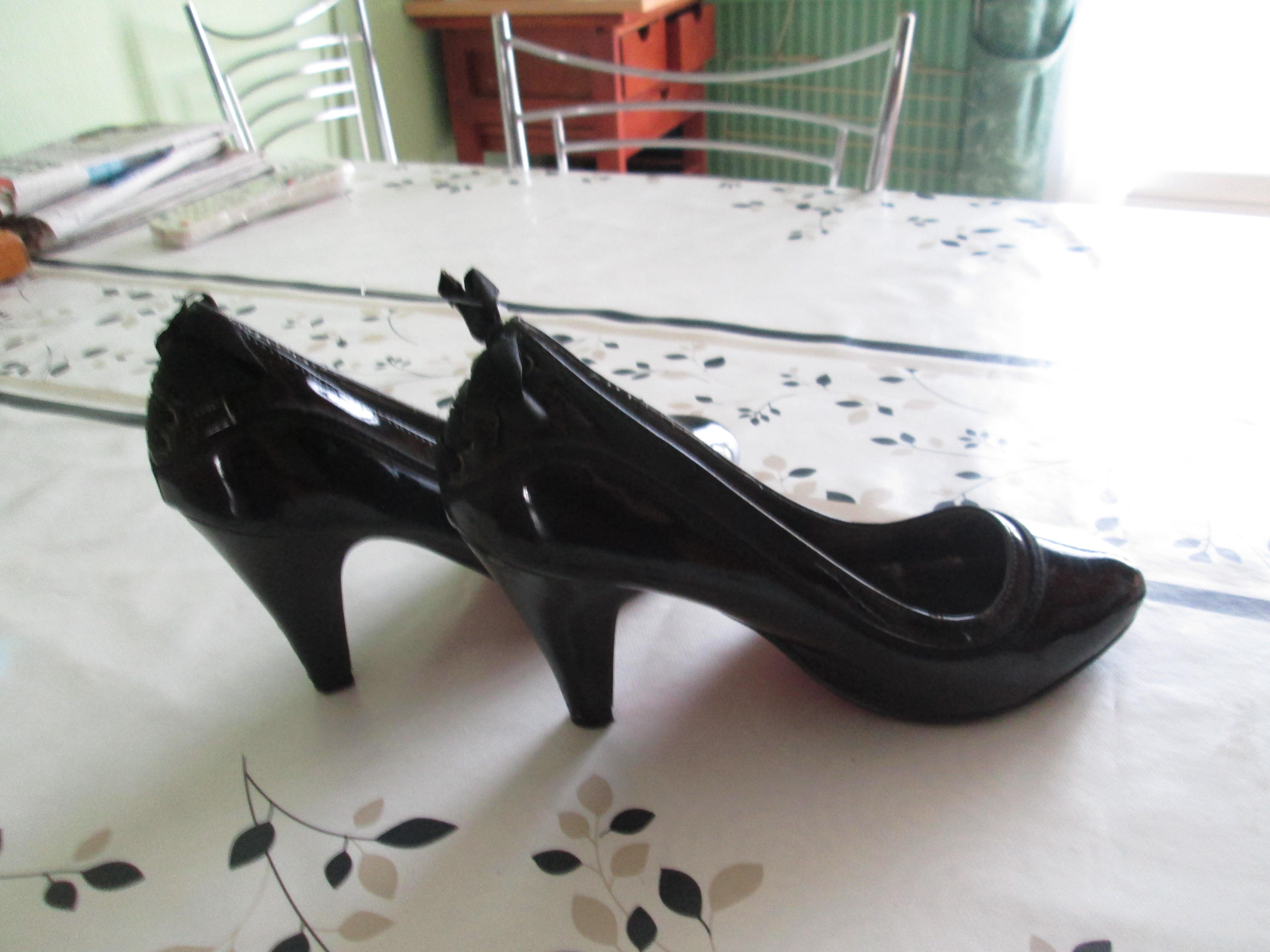 troc de troc chaussure pointure 38 comme neuf  15 noisettes image 0