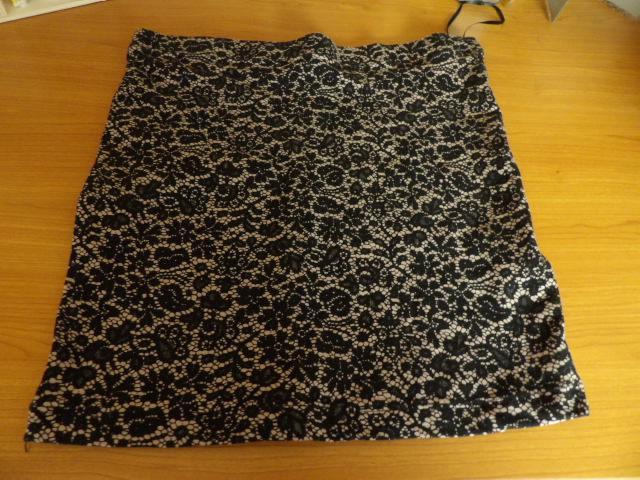 troc de troc jupe elastique taille s bon etat image 0