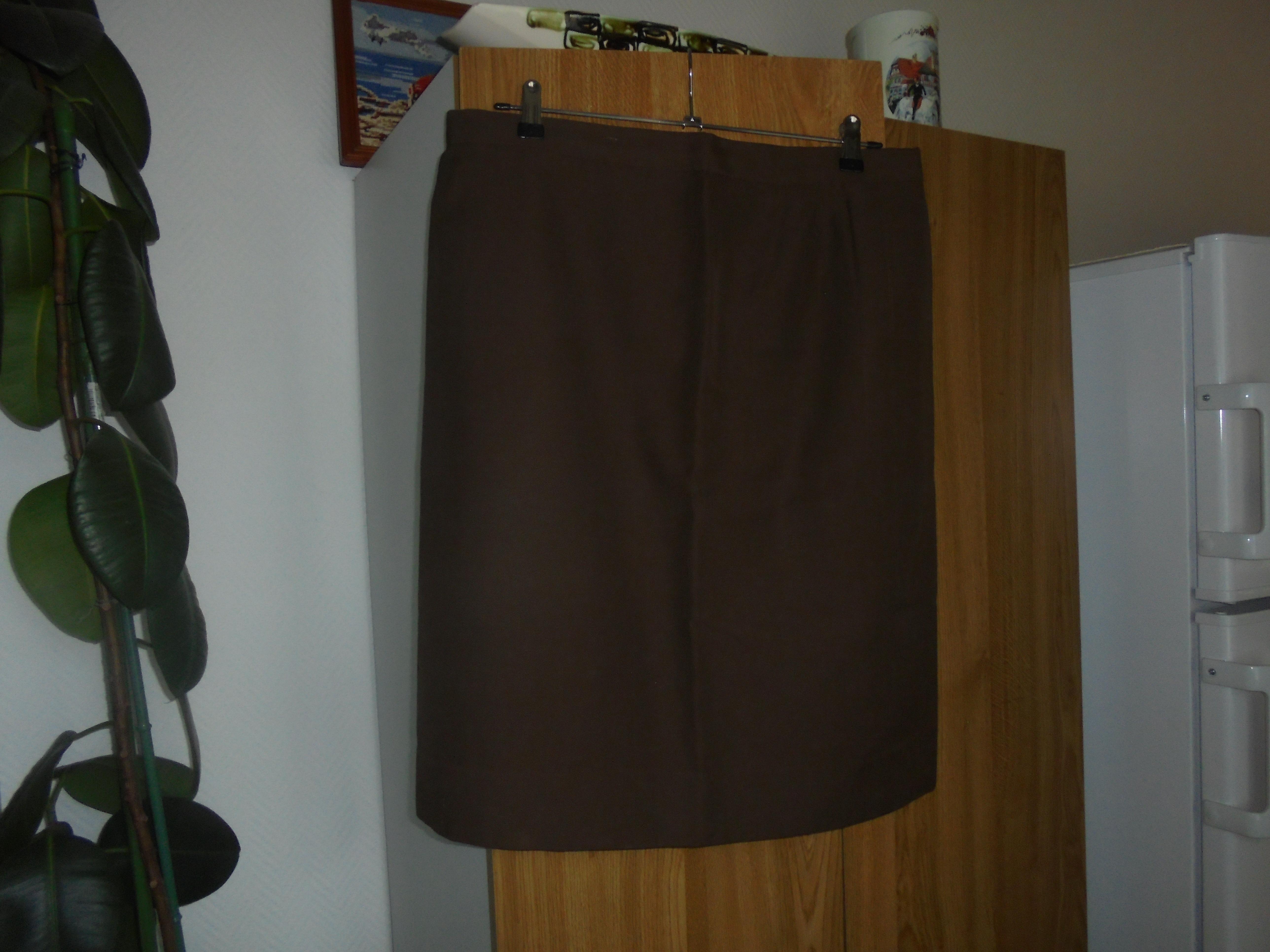 troc de troc jupe droite marron fait mains    8  noisettes image 0