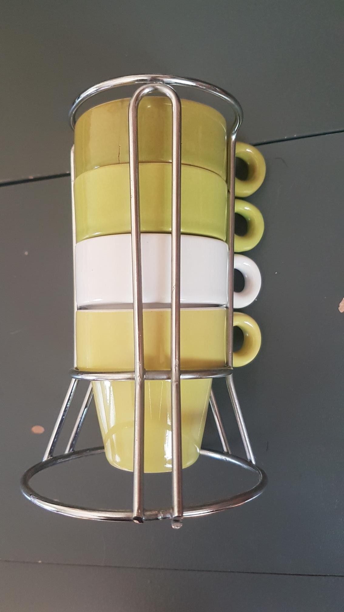 troc de troc 4 petites tasses à café et leur support image 0