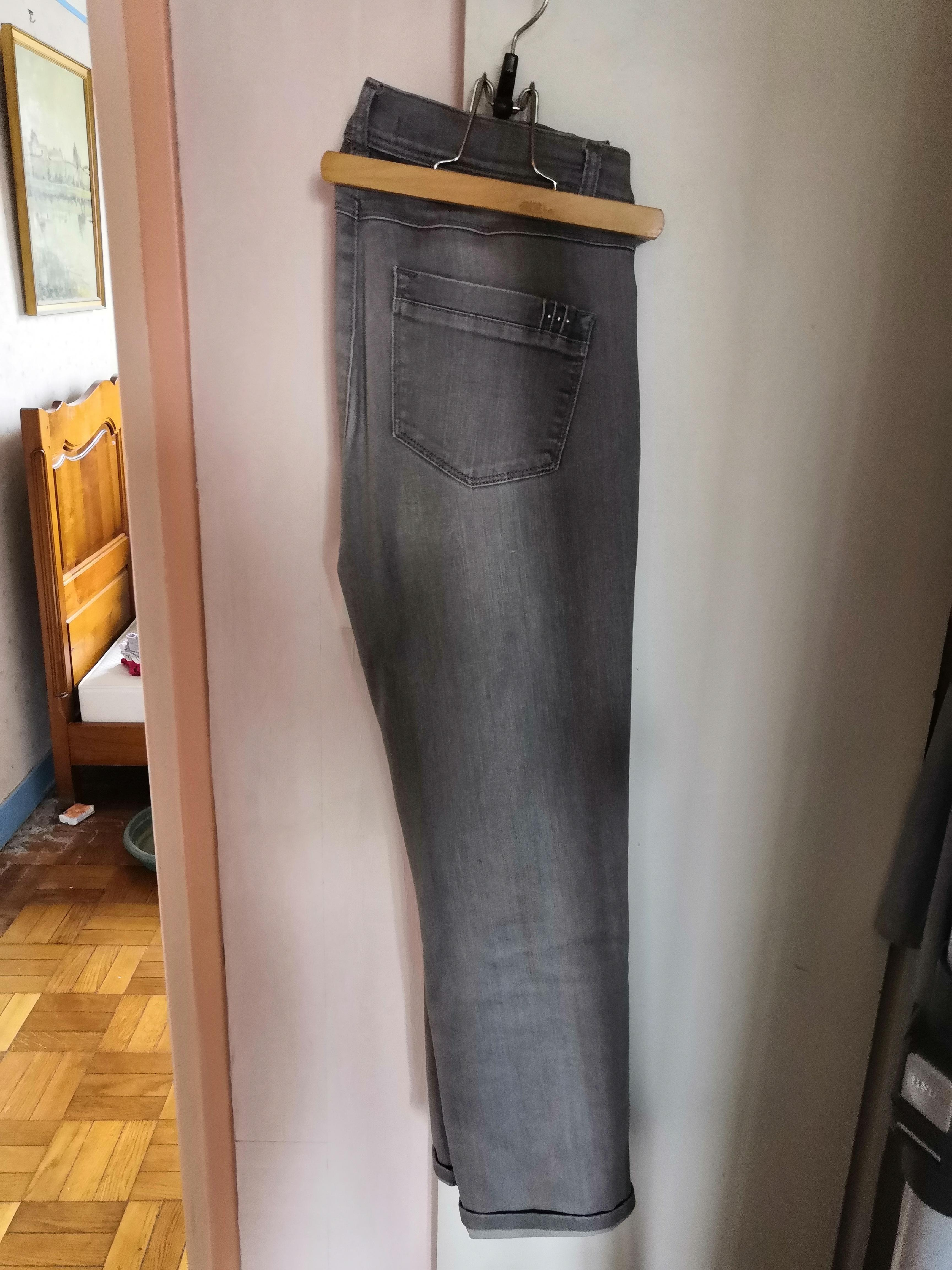 troc de troc pantalon armand thierry taille 40 image 0