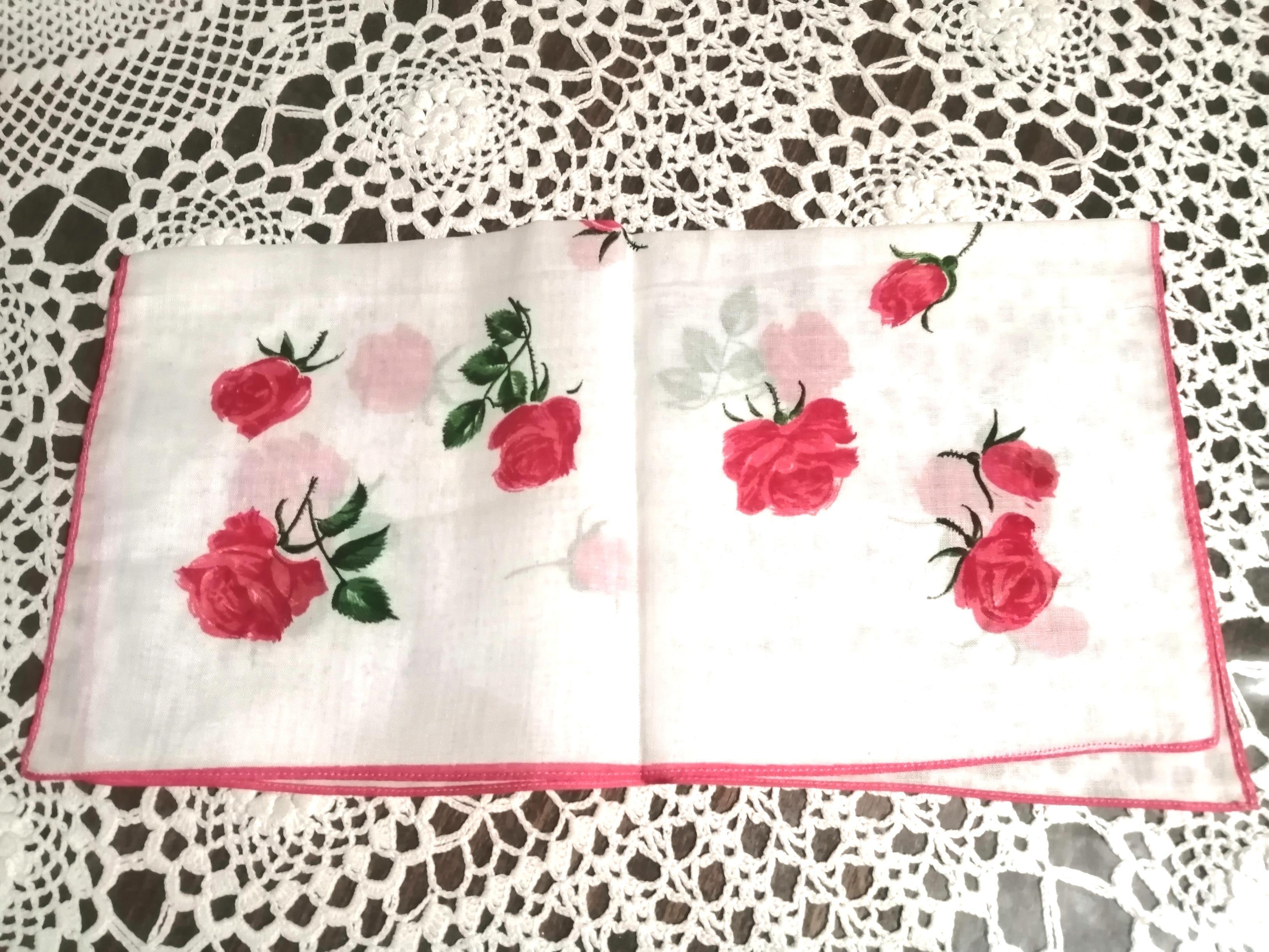 troc de troc réservé/ce.: mouchoir À roses image 1
