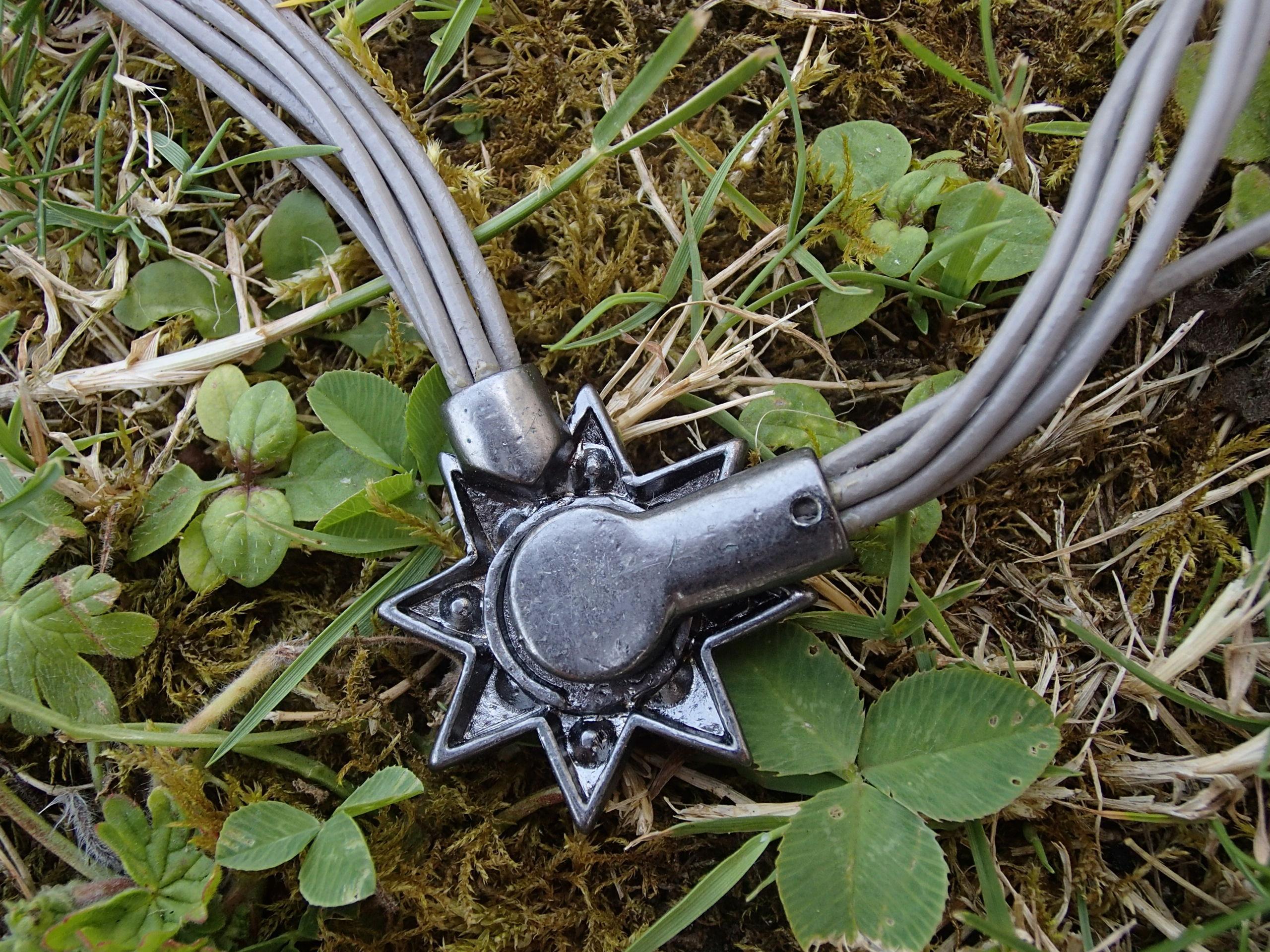 troc de troc collier étoile (à fermoir aimanté) image 2