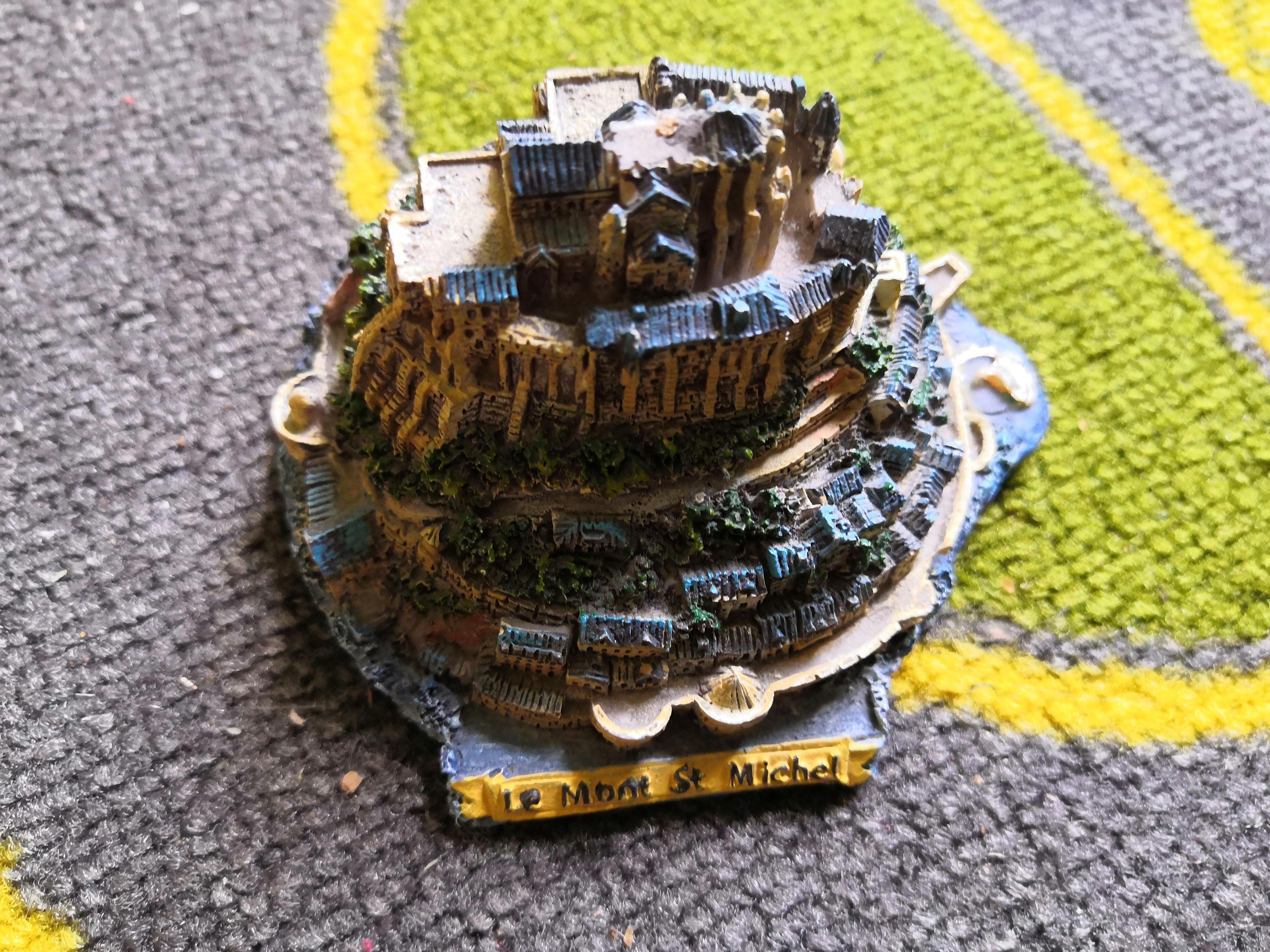 troc de troc miniature mont saint michel image 0