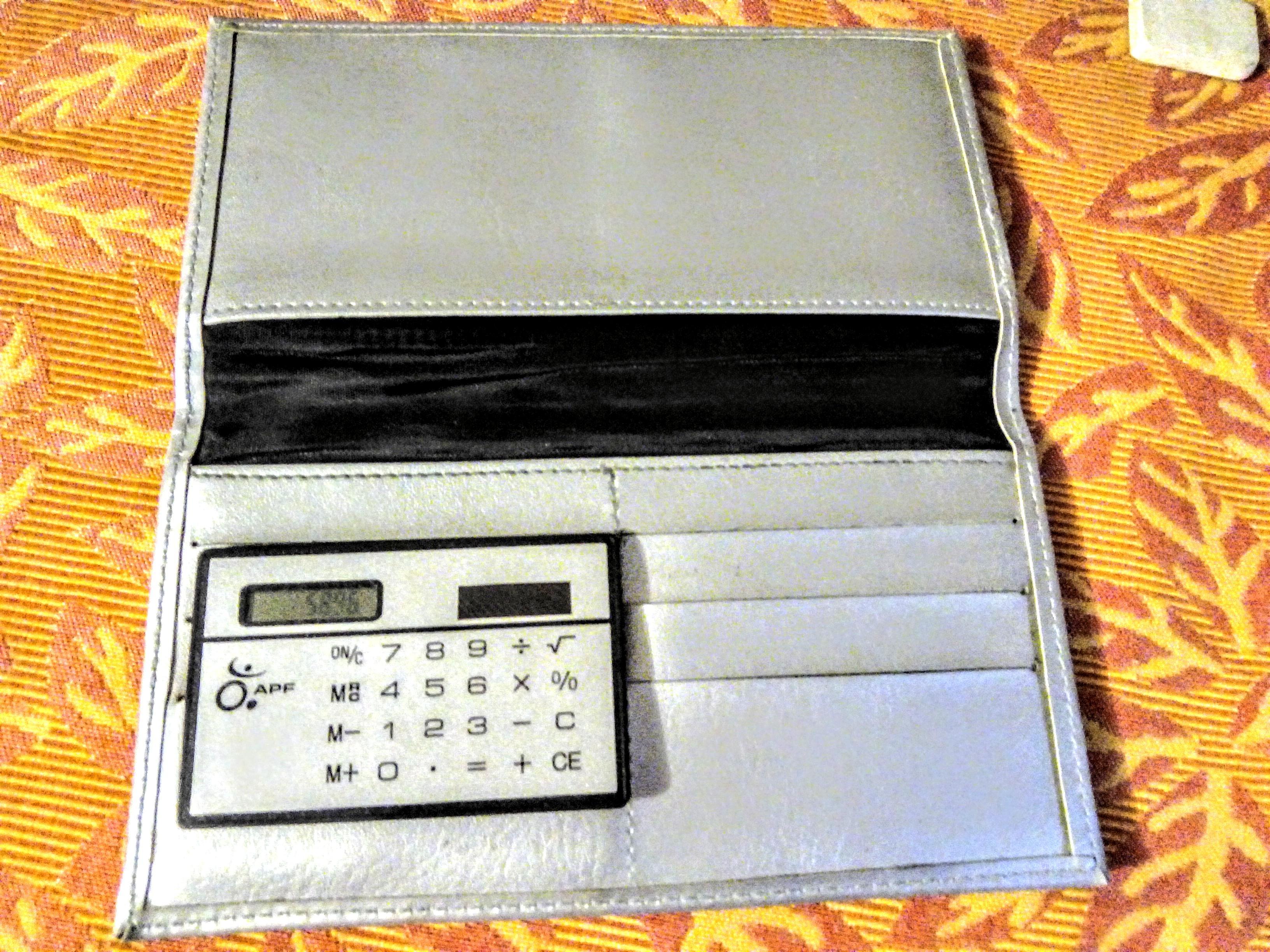 troc de troc réservé: portefeuille/cartes neuf avec calculatrice solaire image 0