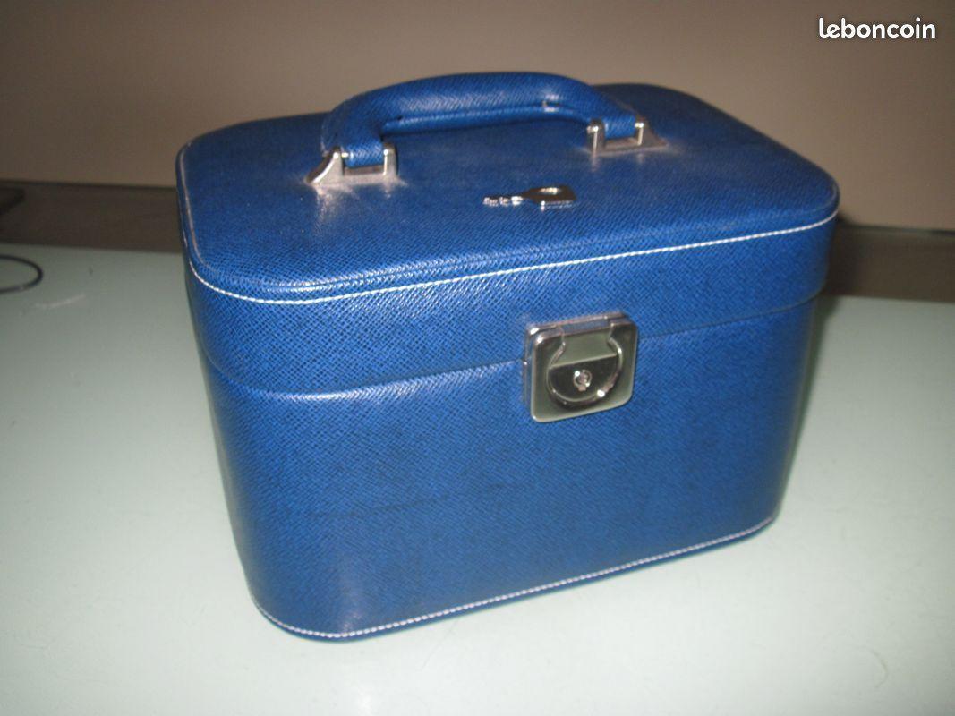 troc de troc recherche vanity bleu simi cuire image 0
