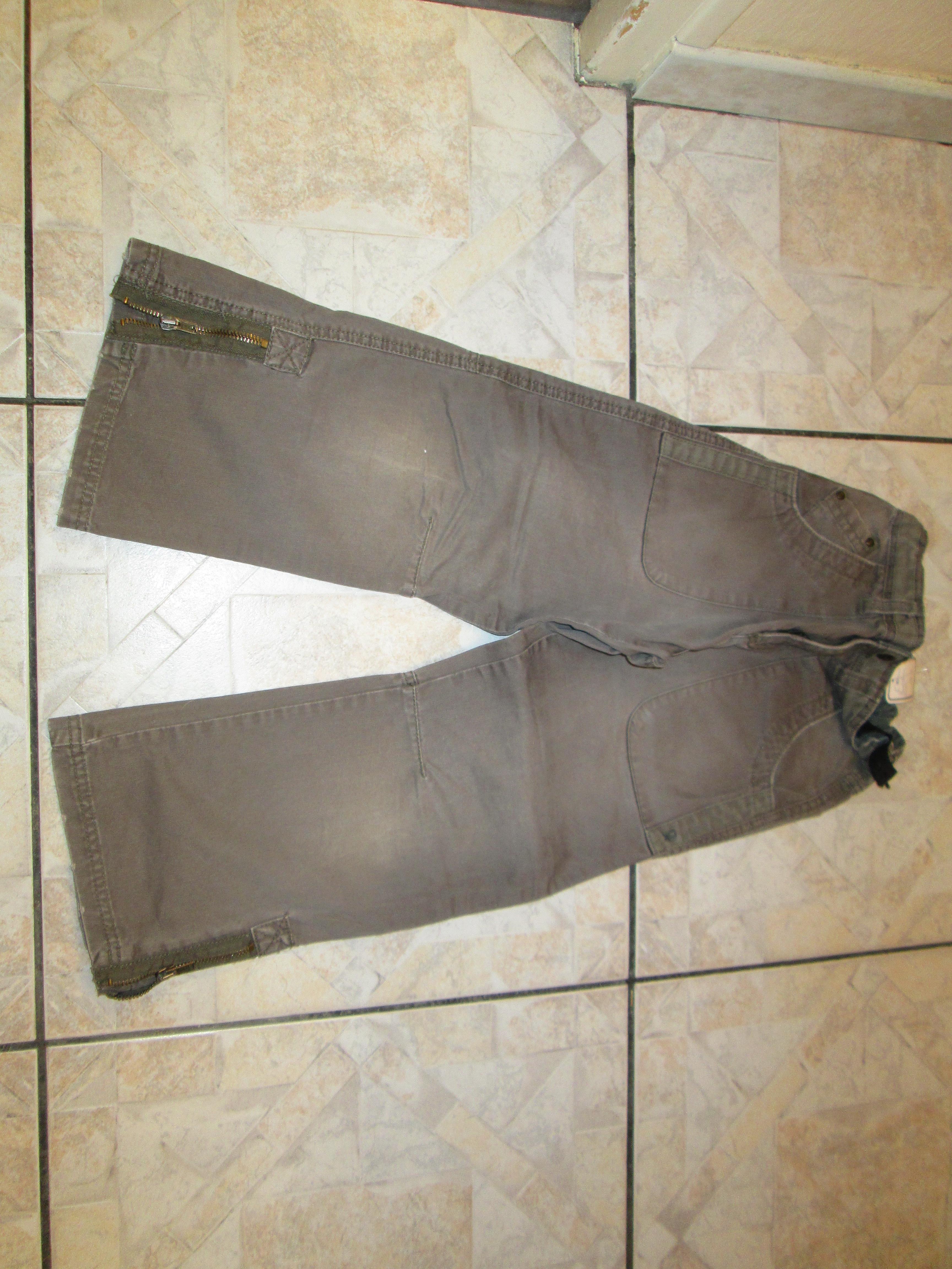 troc de troc pantalon kaki 6 ans taille elastique reglable 4 noisettes image 0
