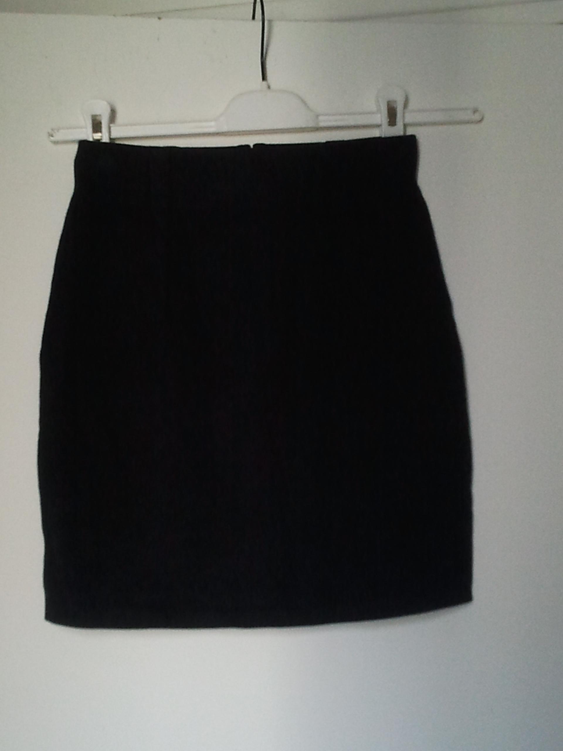 troc de troc réservé d**** jupe noire s / 36 image 0