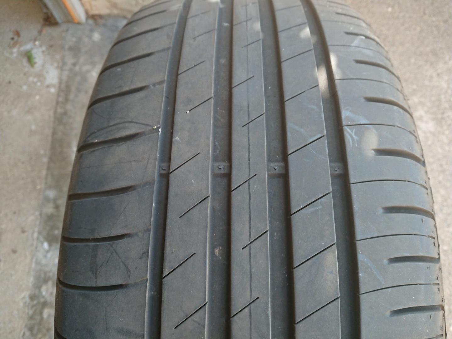 troc de troc 2 pneus good year efficient grip 225/55r17 image 1