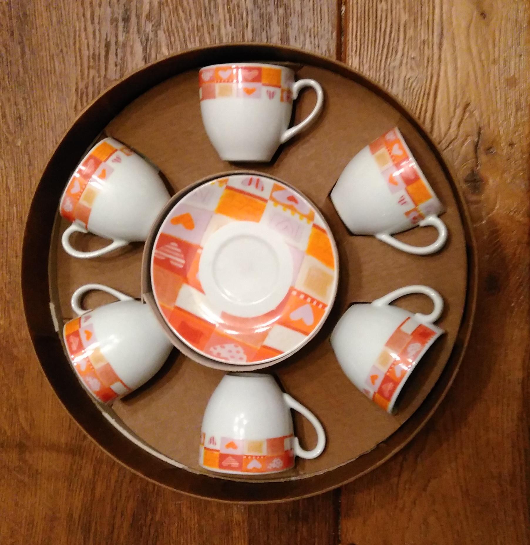 troc de troc set neuf de 6 tasses à café et soucoupes image 0