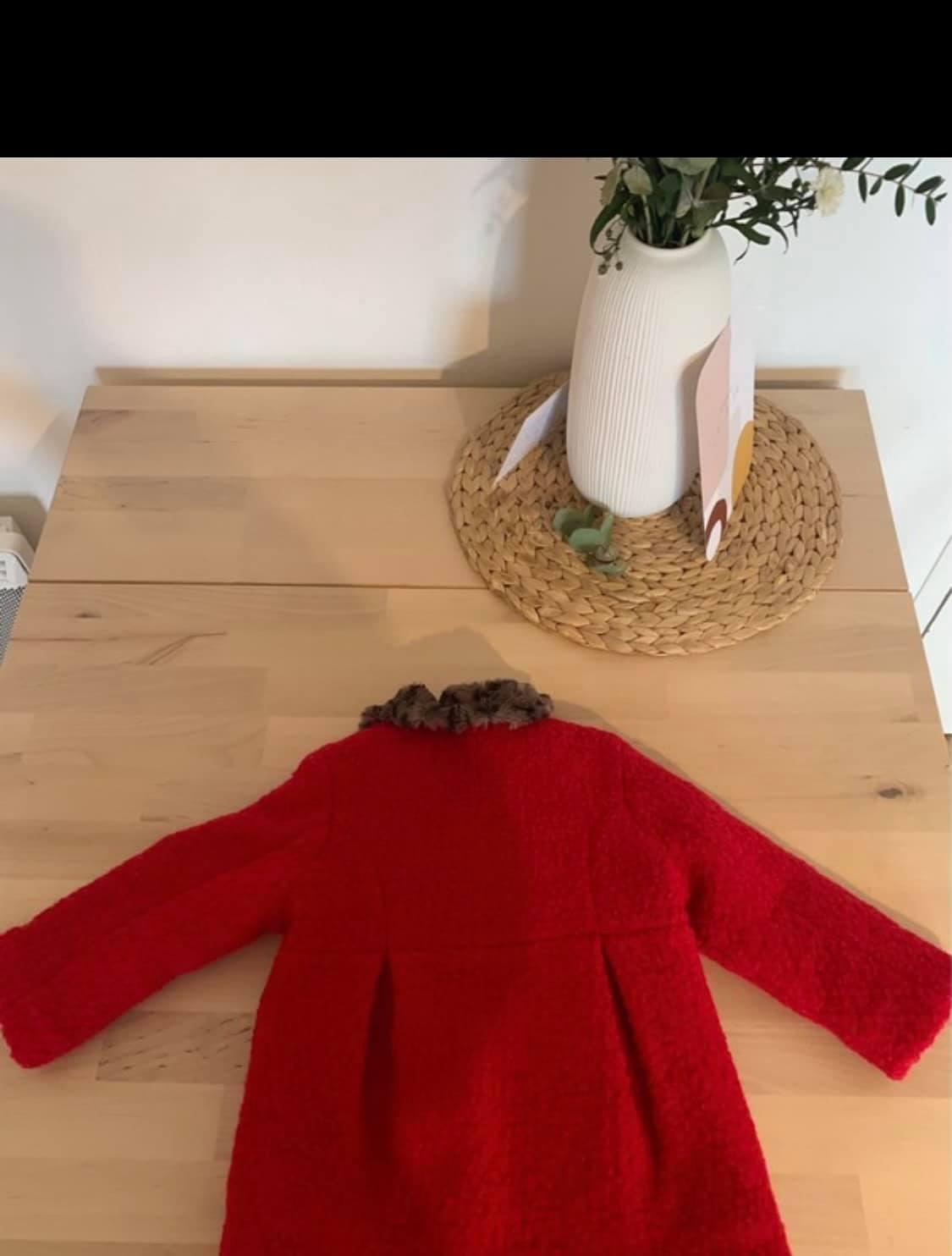 troc de troc manteau rouge catimini , 12 mois image 1