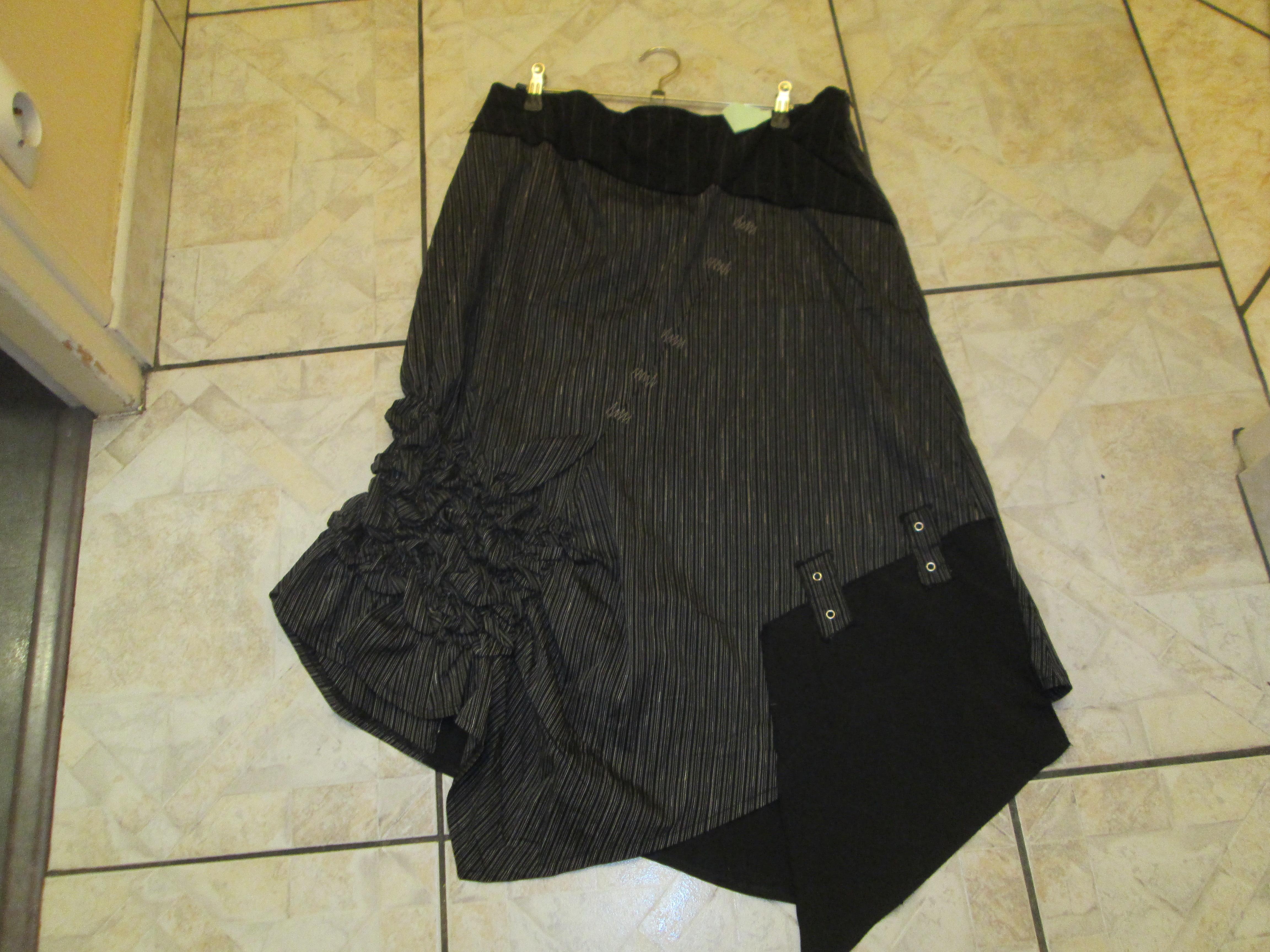 troc de troc jupe noir    neuve asymétrique  taille 44 15 noisettes image 0