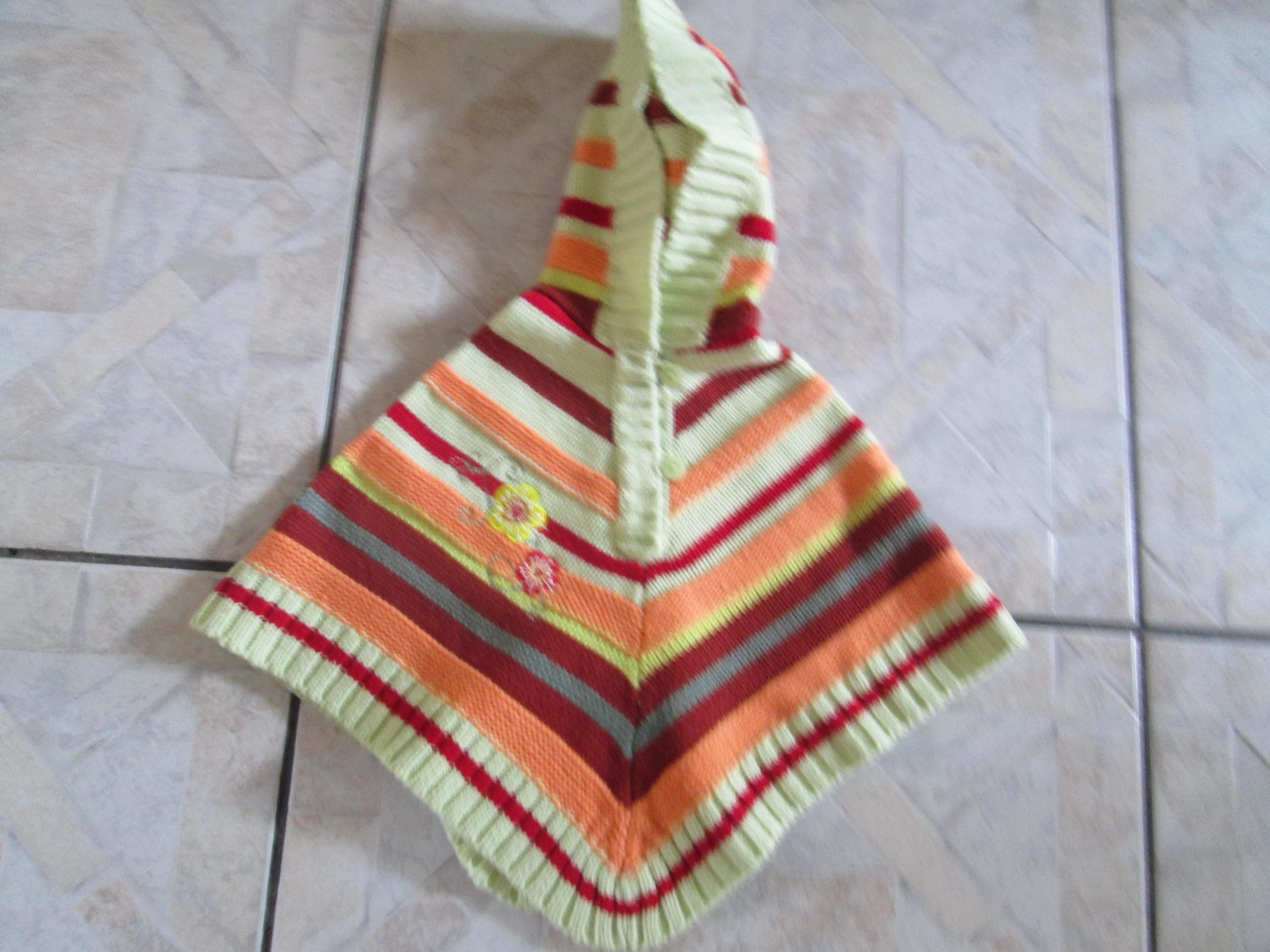 troc de troc poncho laine a capuche 3 mois   6 noisettes image 0