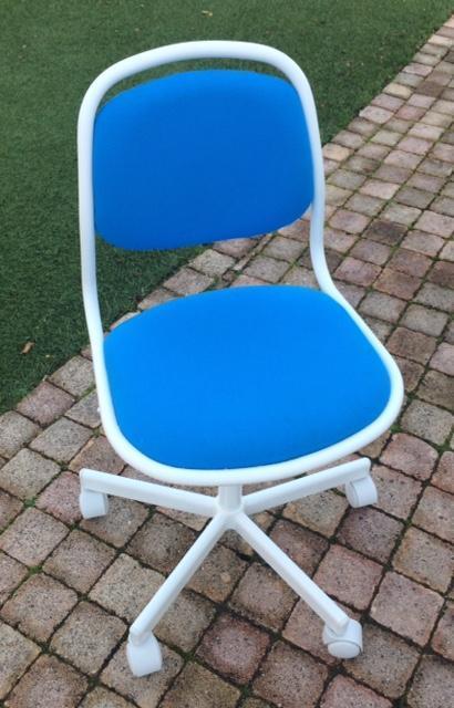 troc de troc chaise bureau enfant - très bon état image 0