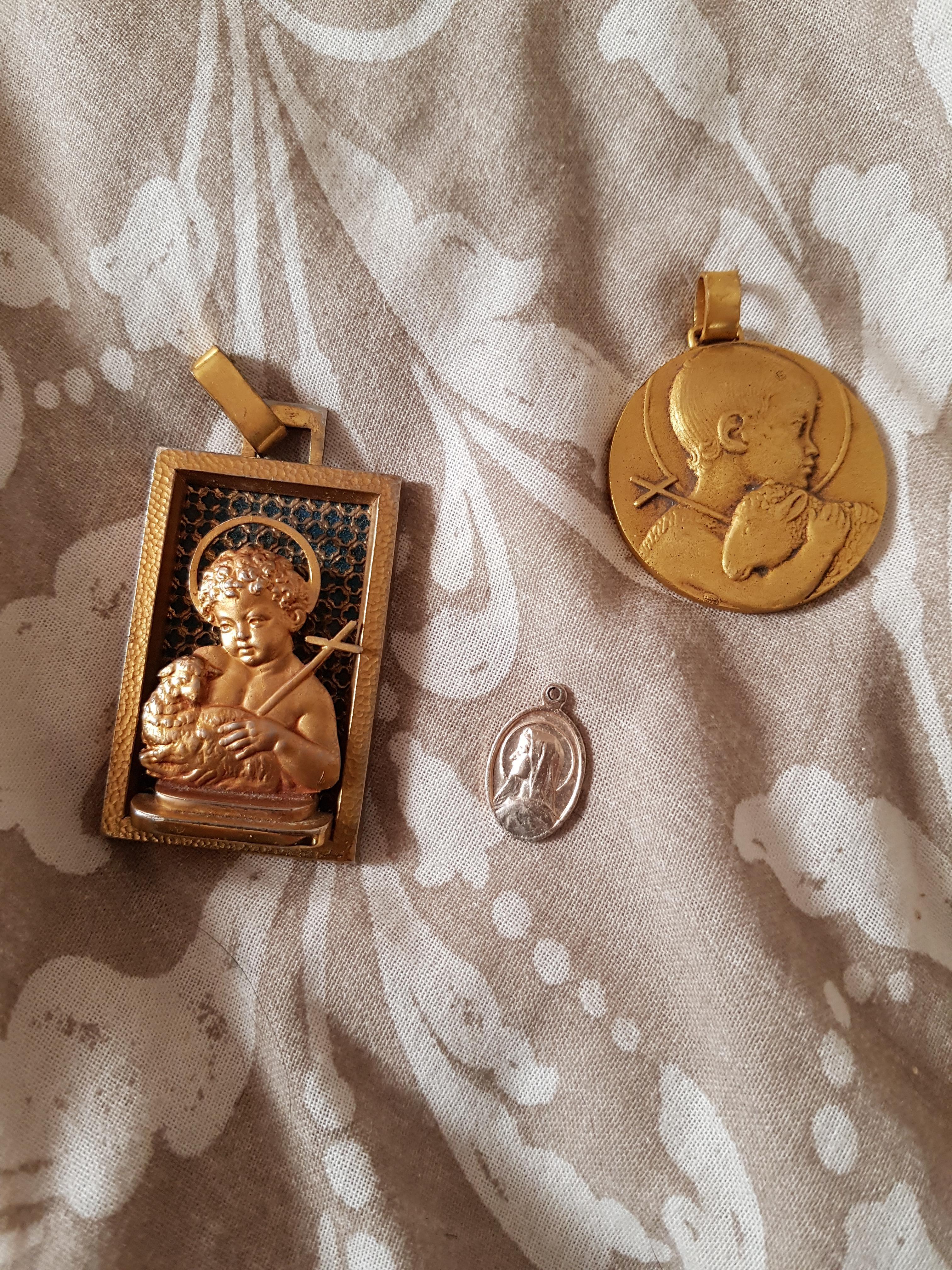 troc de troc lot de bijoux religieux image 0