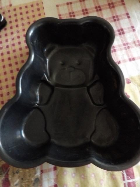 troc de troc reserve moule à gateau ourson très bon état en alu noir 4 cm de haut image 1