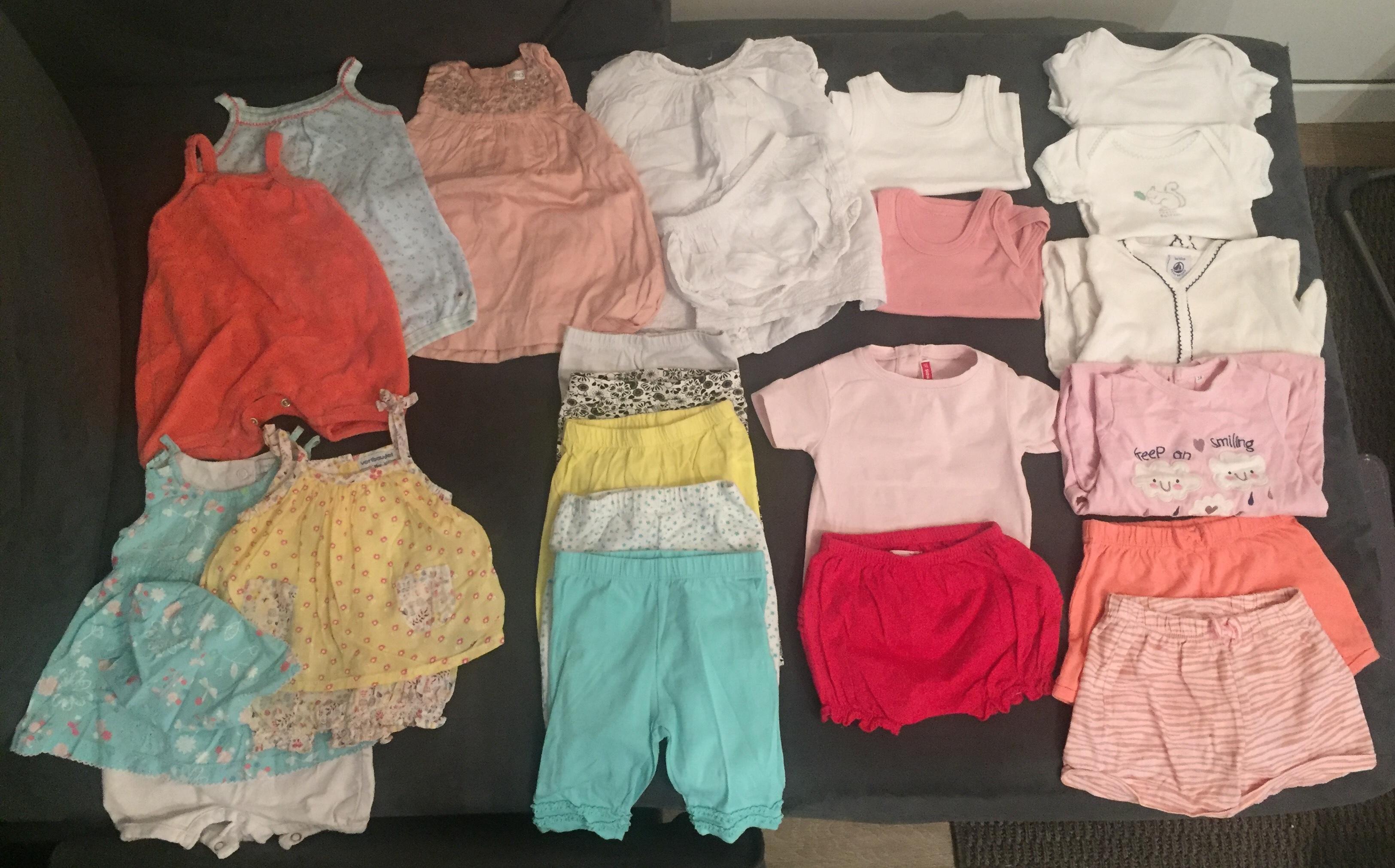 troc de troc lot de vêtements bébé,  1 mois , saison été image 0