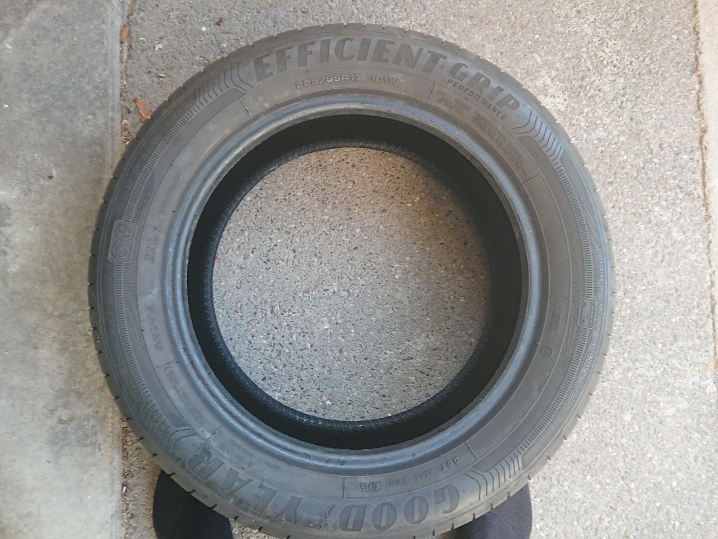 troc de troc 2 pneus good year efficient grip 225/55r17 image 0