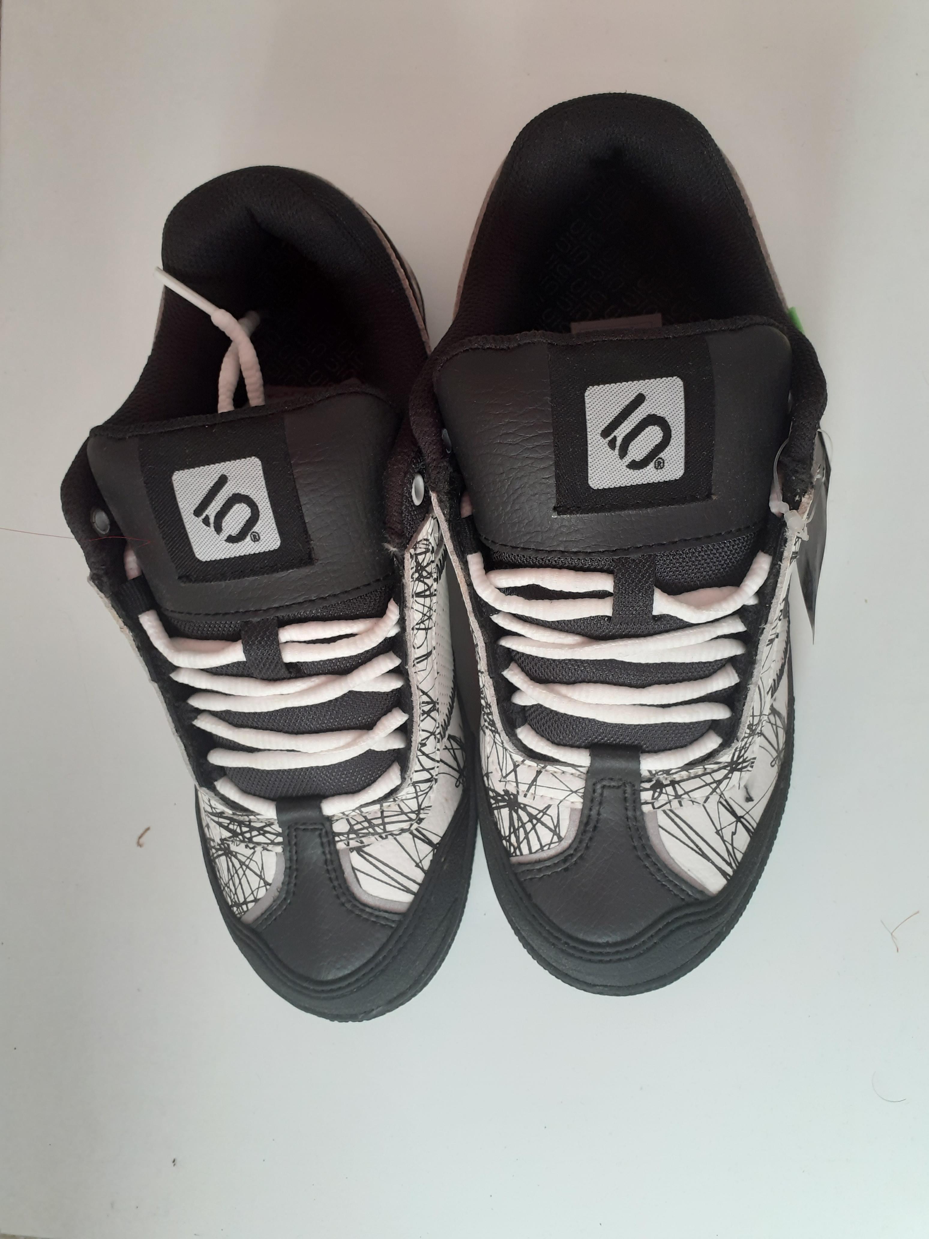 troc de troc chaussures urbain style 39 image 1