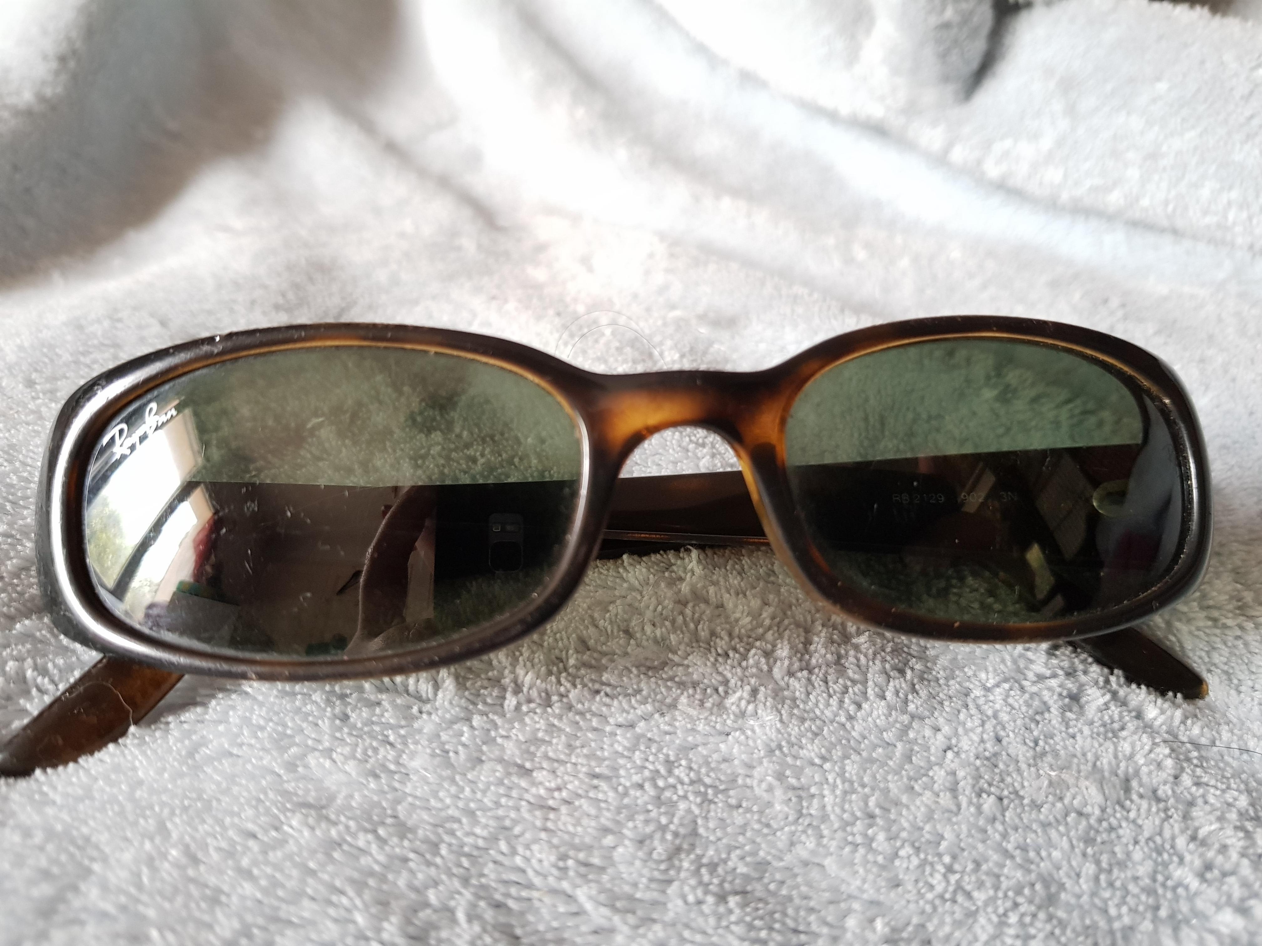 troc de troc paire de lunette de soleil rayban image 0