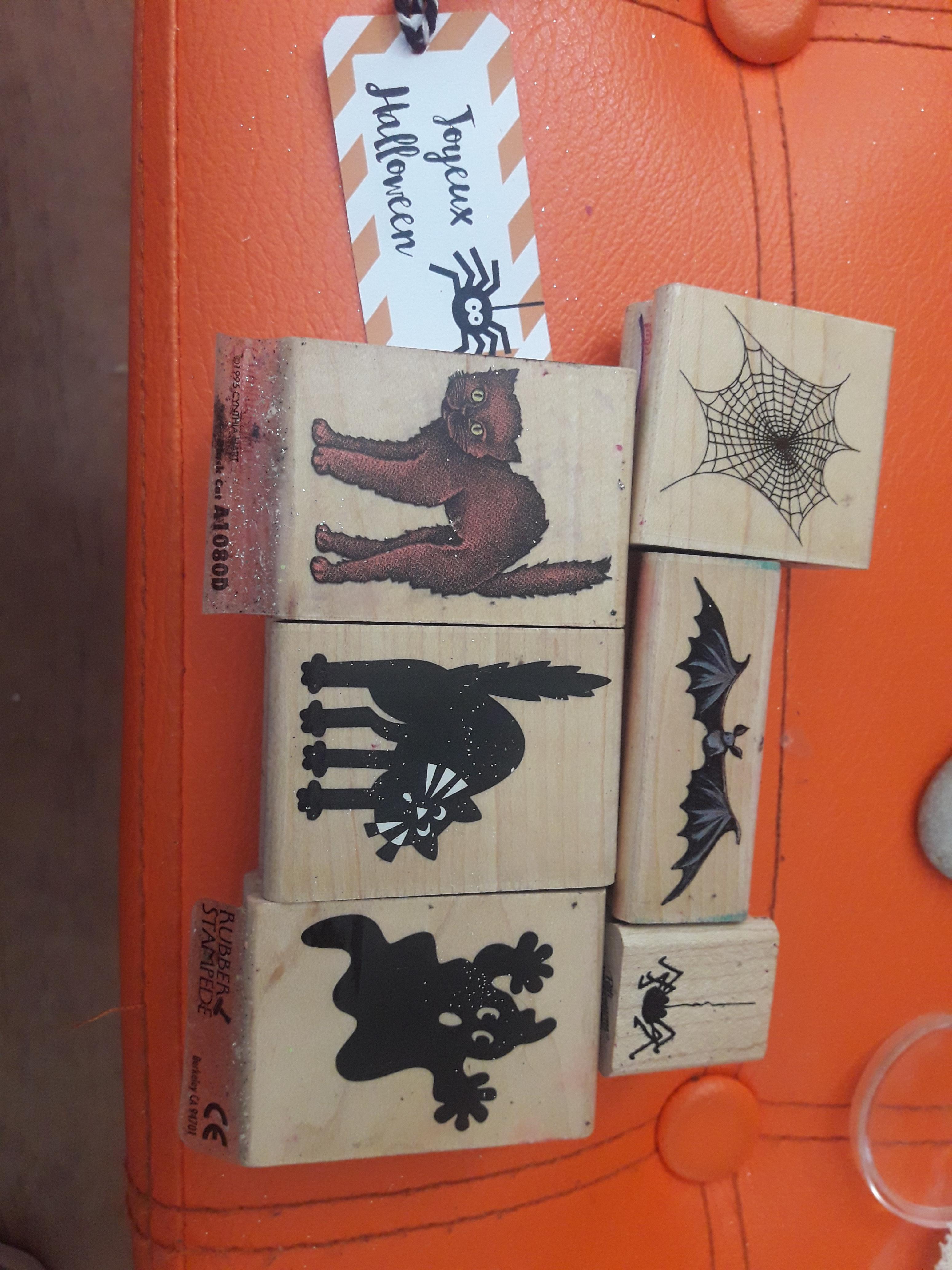 troc de troc lot tampons bois thème halloween image 0