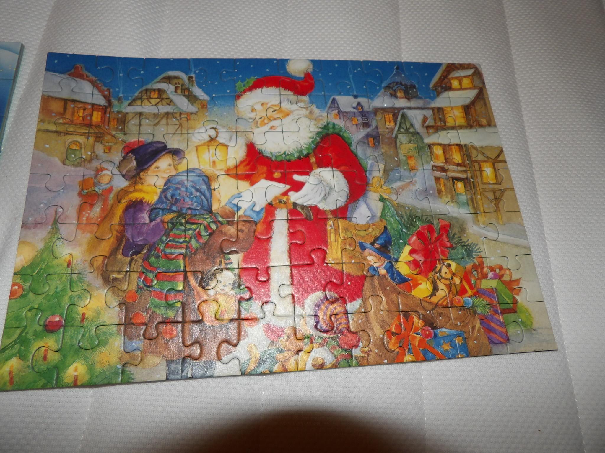 troc de troc reservé puzzle de noel collé sur un carton image 0