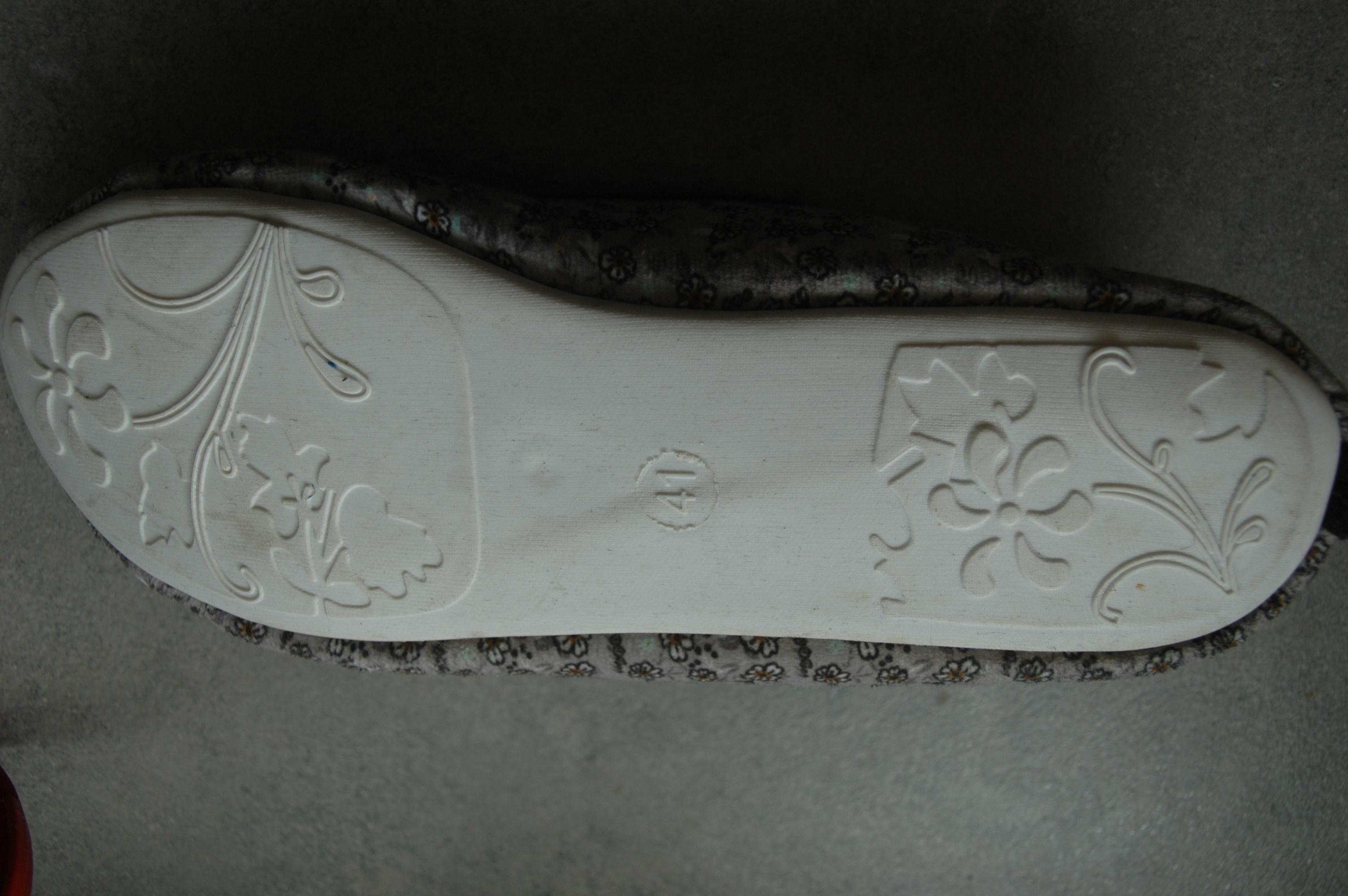 troc de troc reserve   chaussons taille 40 image 1
