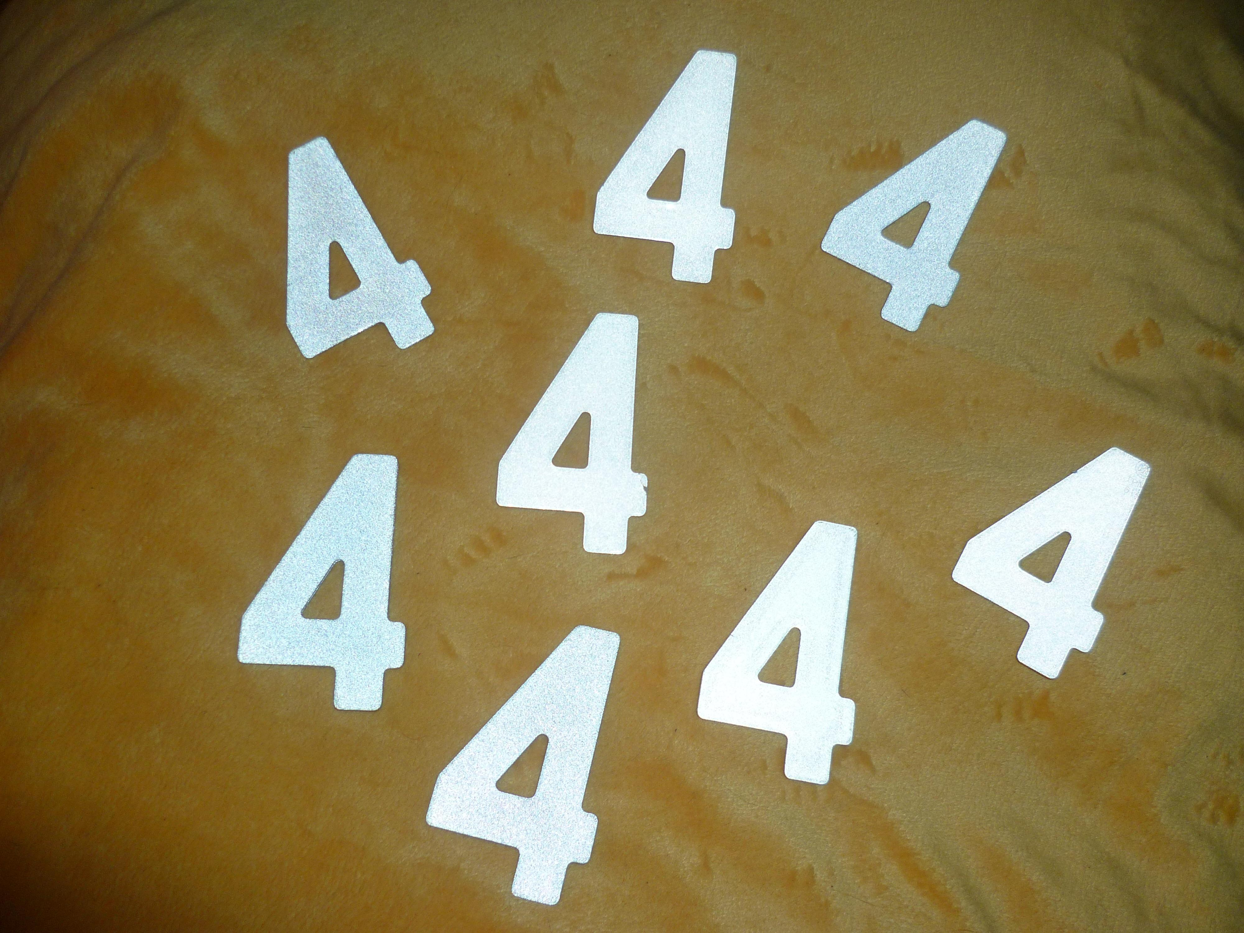 troc de troc reserve - chiffre métallique - numéro 4 image 0