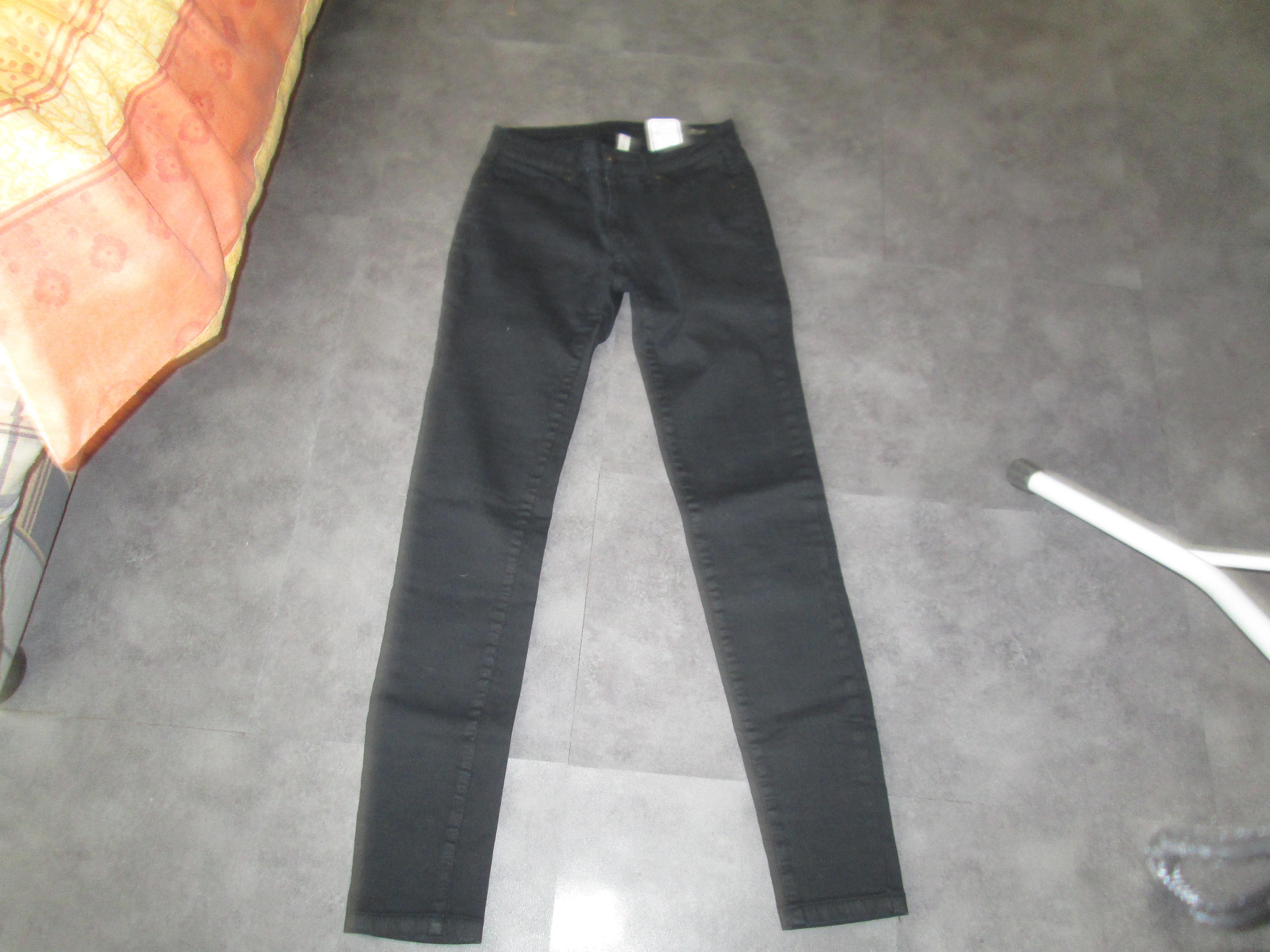 troc de troc pantalon noir slim 14 ans ou 36 5 noisettes image 0