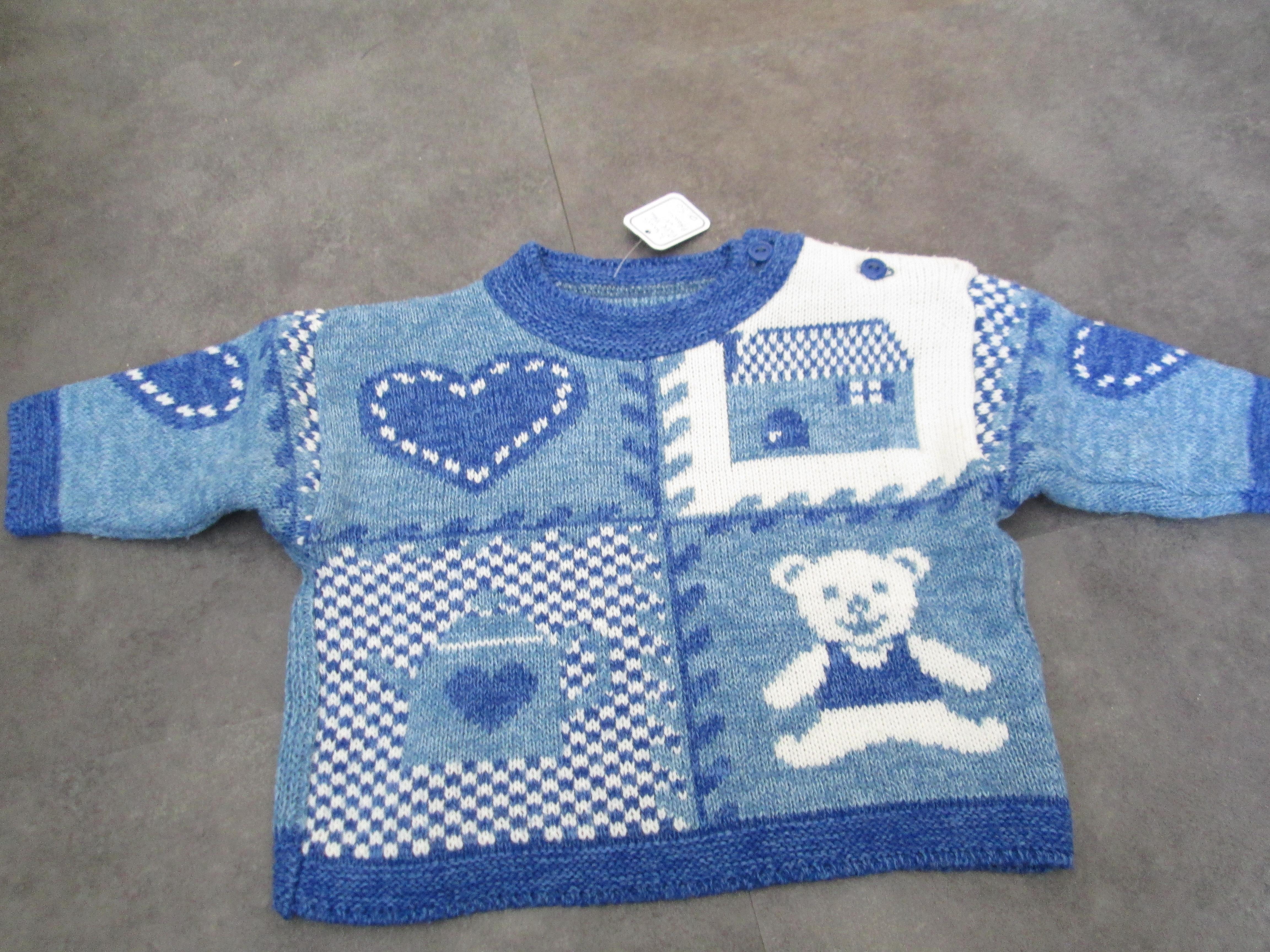 troc de troc pull 3 mois bleu et blanc laine attache côté 3 noisettes image 0