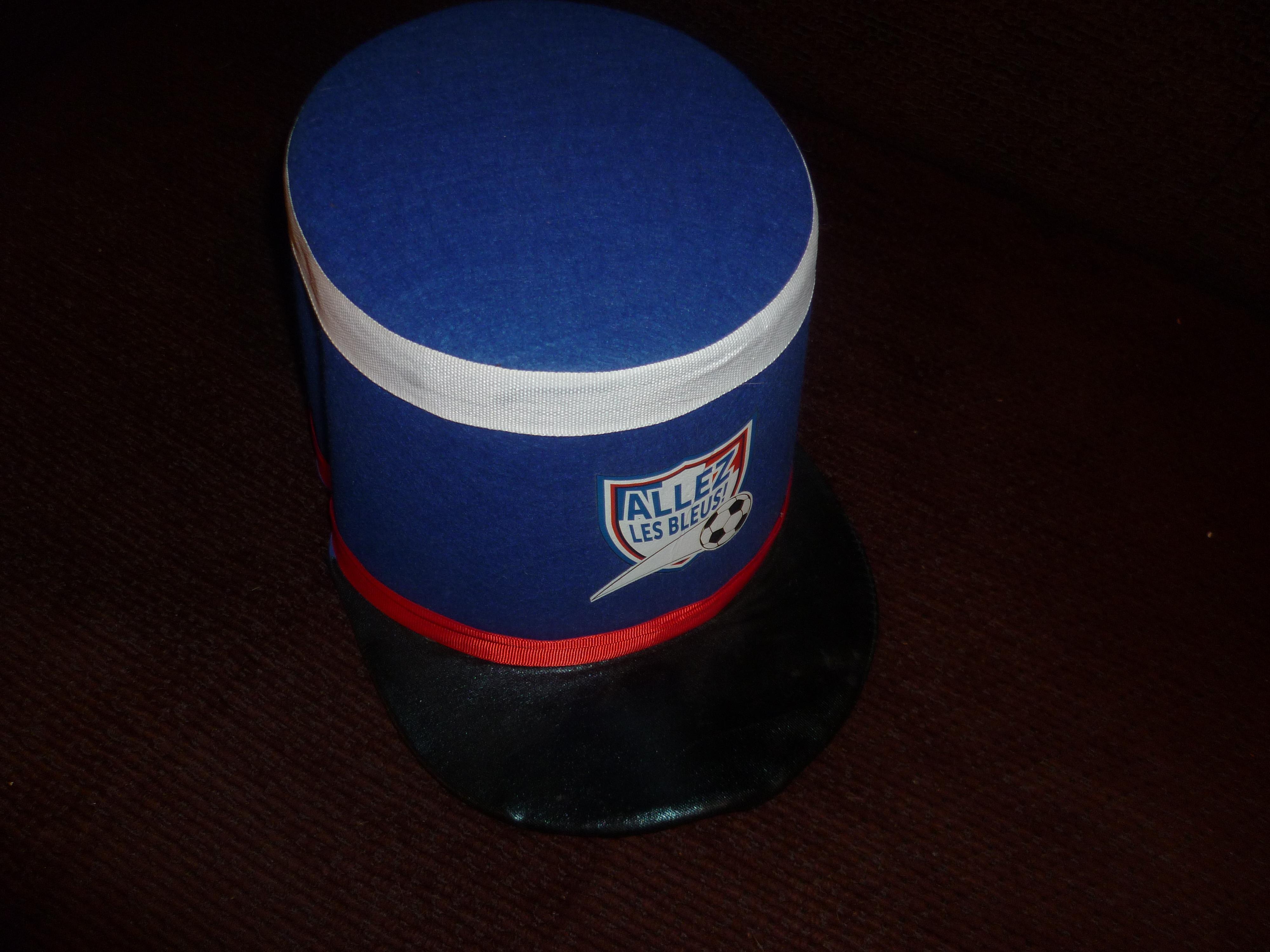 """troc de troc chapeau haut """"allez les bleus"""" image 0"""